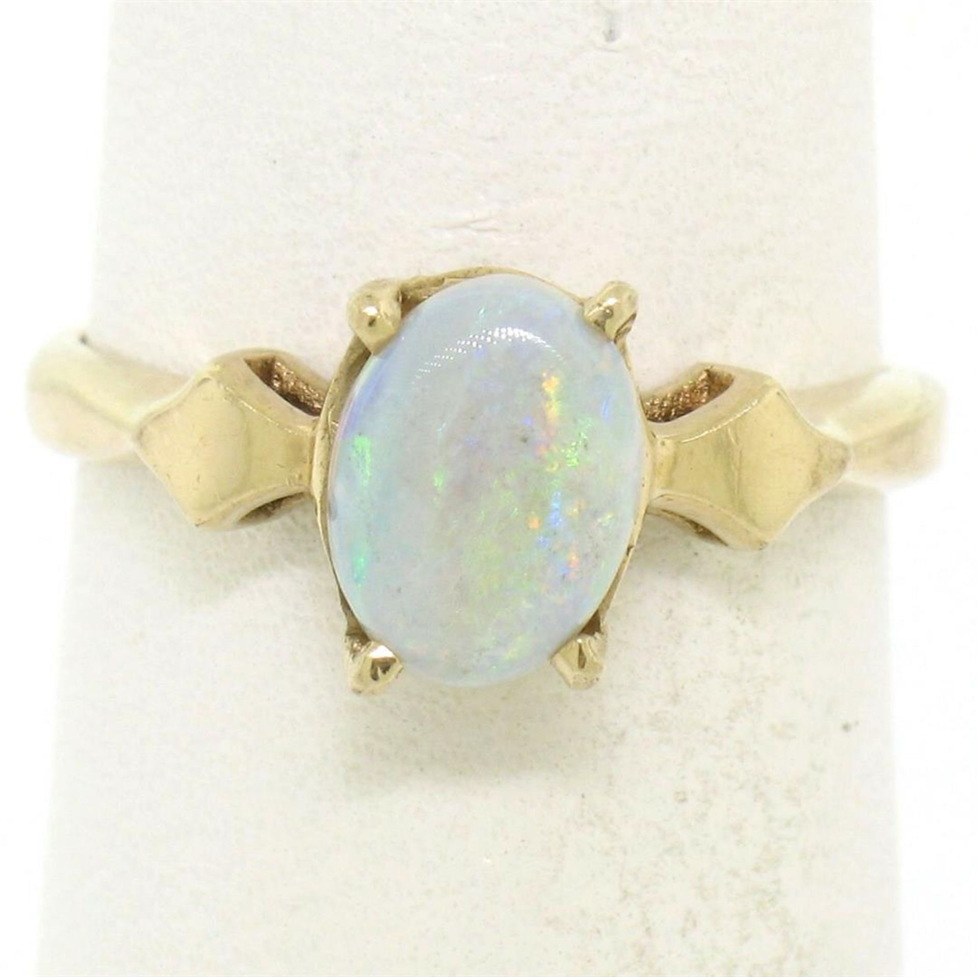 Vintage 14K Yellow Gold 0.65ct Petite Oval Cabochon Opal Solitaire Ring Size 6 - Image 2 of 9