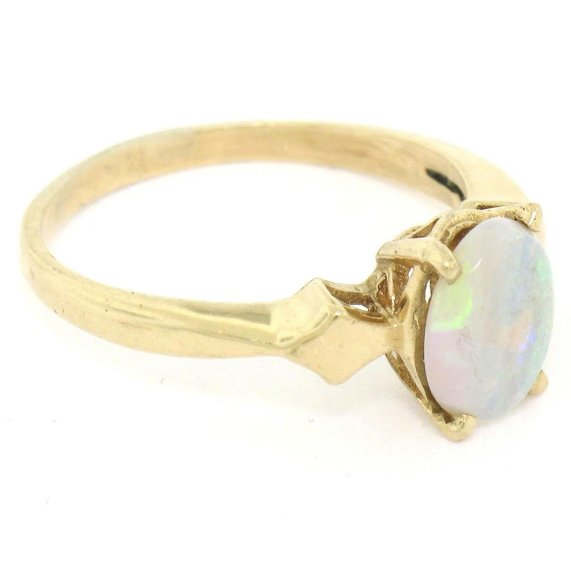 Vintage 14K Yellow Gold 0.65ct Petite Oval Cabochon Opal Solitaire Ring Size 6 - Image 4 of 9