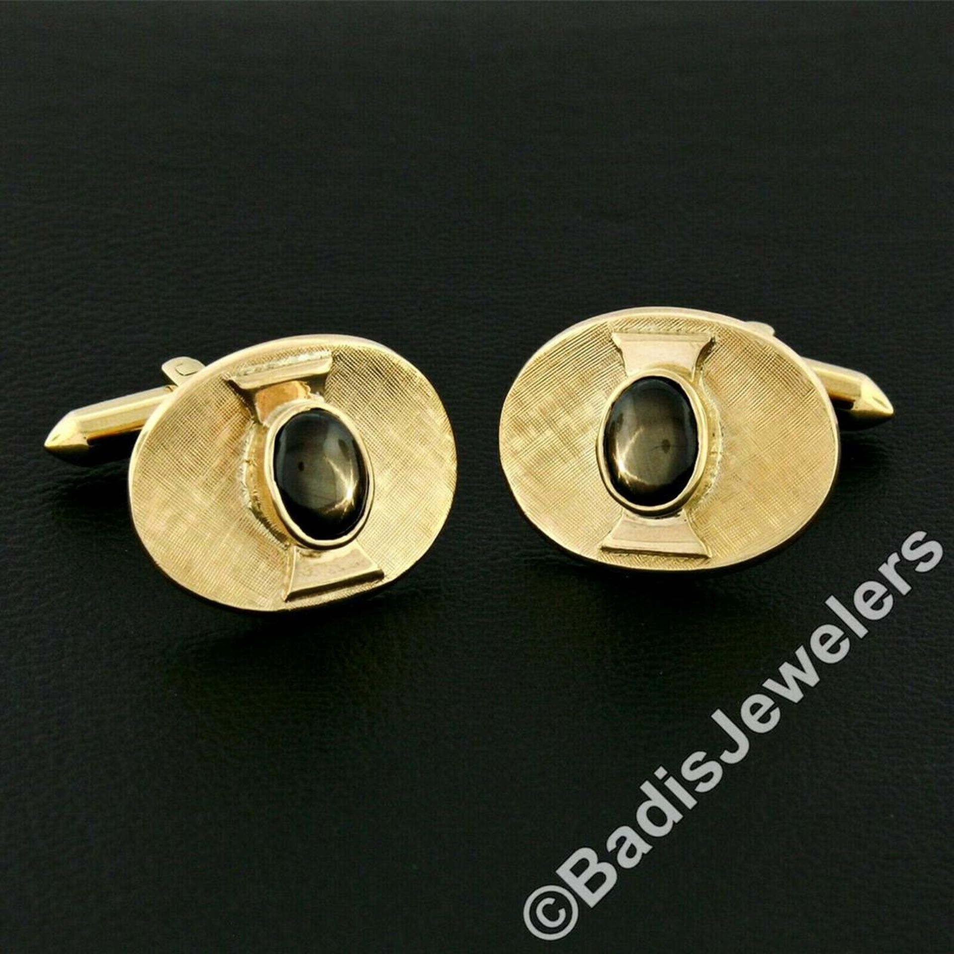 Vintage Men's 18kt Gold Oval Brown Star Sapphire Florentine Cuff Links - Image 2 of 5
