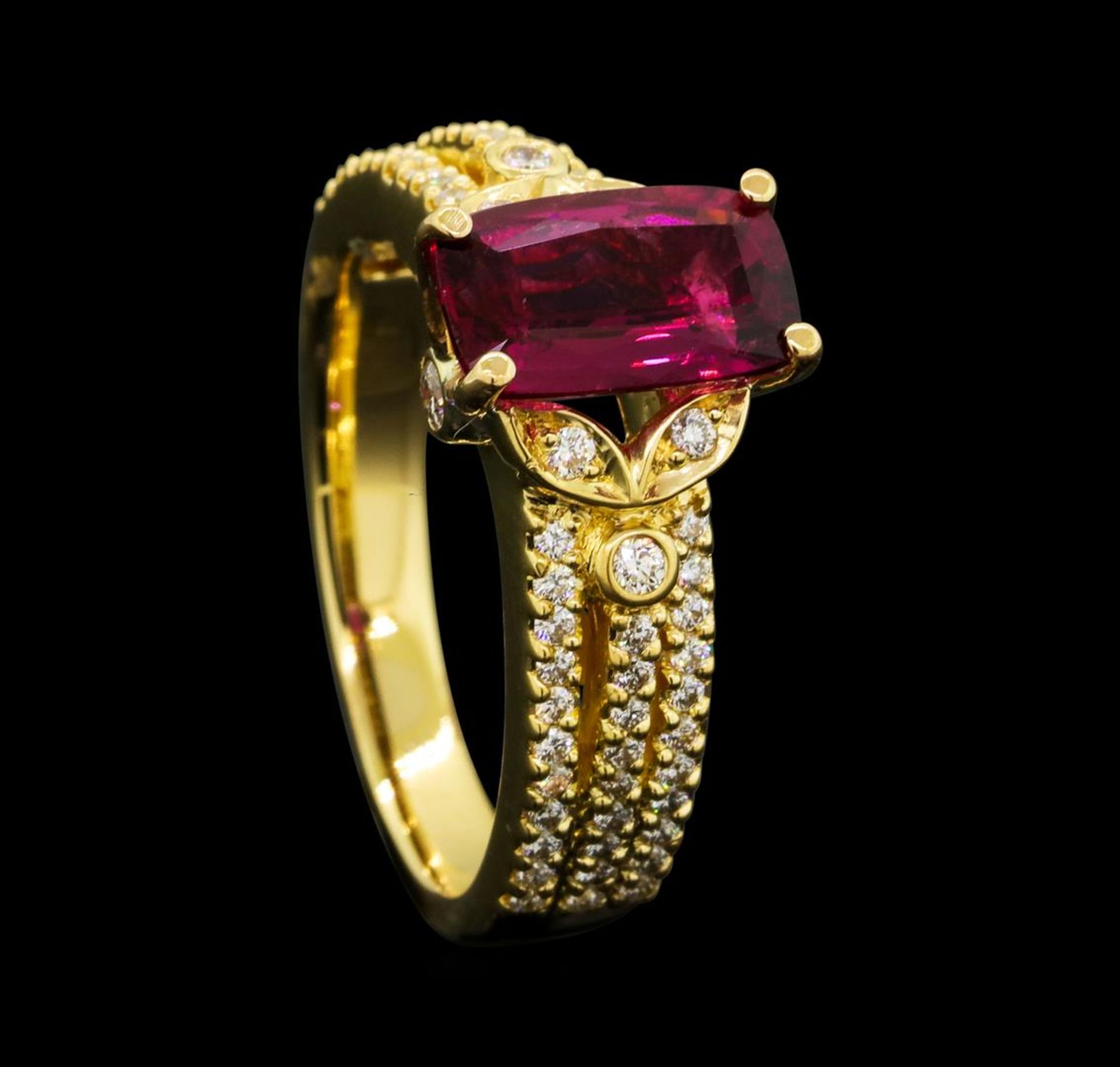 1.50 ct Pink Tourmaling And Diamond Ring - 18KT Yellow Gold - Image 4 of 5
