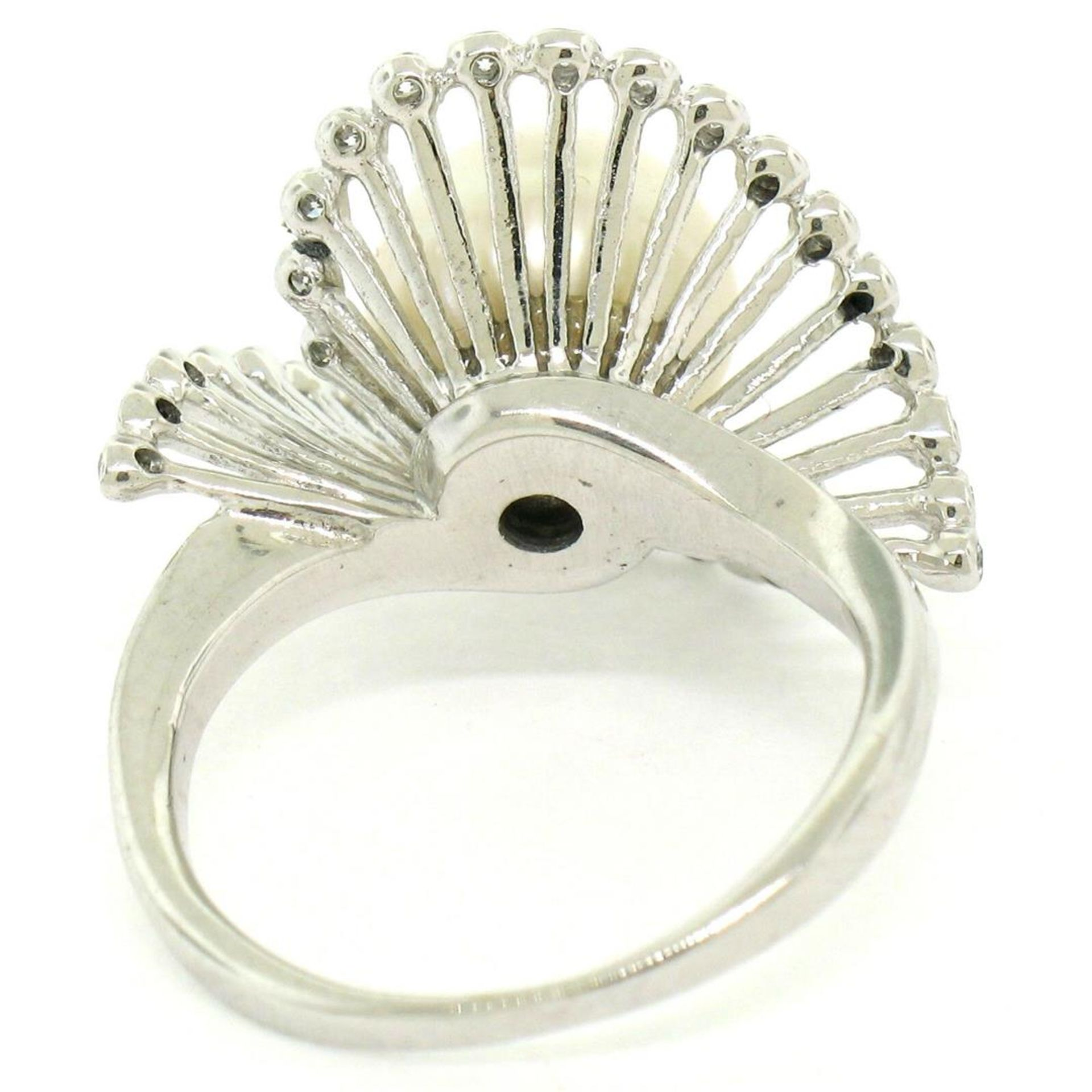 Vintage 14K White Gold 8.5mm Pearl Bezel Diamond 2 Wave Bypass Cocktail Ring - Image 6 of 8