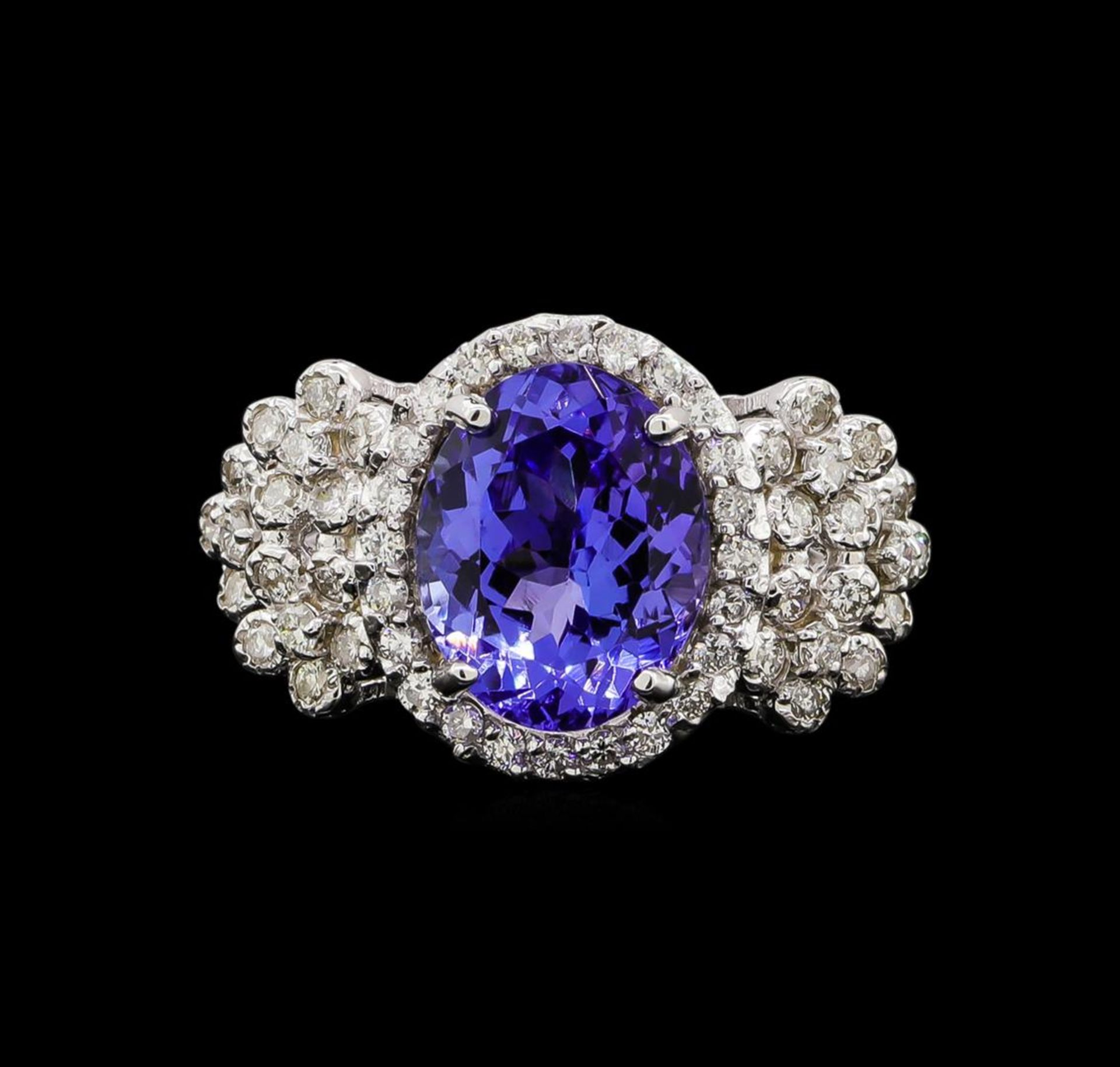 14KT White Gold 4.31 ctw Tanzanite and Diamond Ring - Image 2 of 5