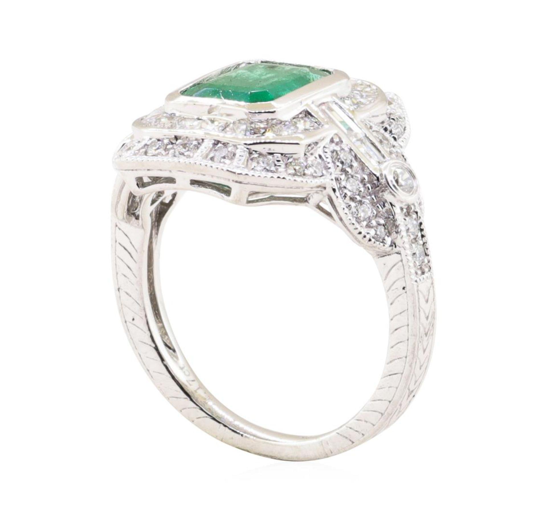 1.94ct Emerald and Diamond Ring - Platinum - Image 3 of 5