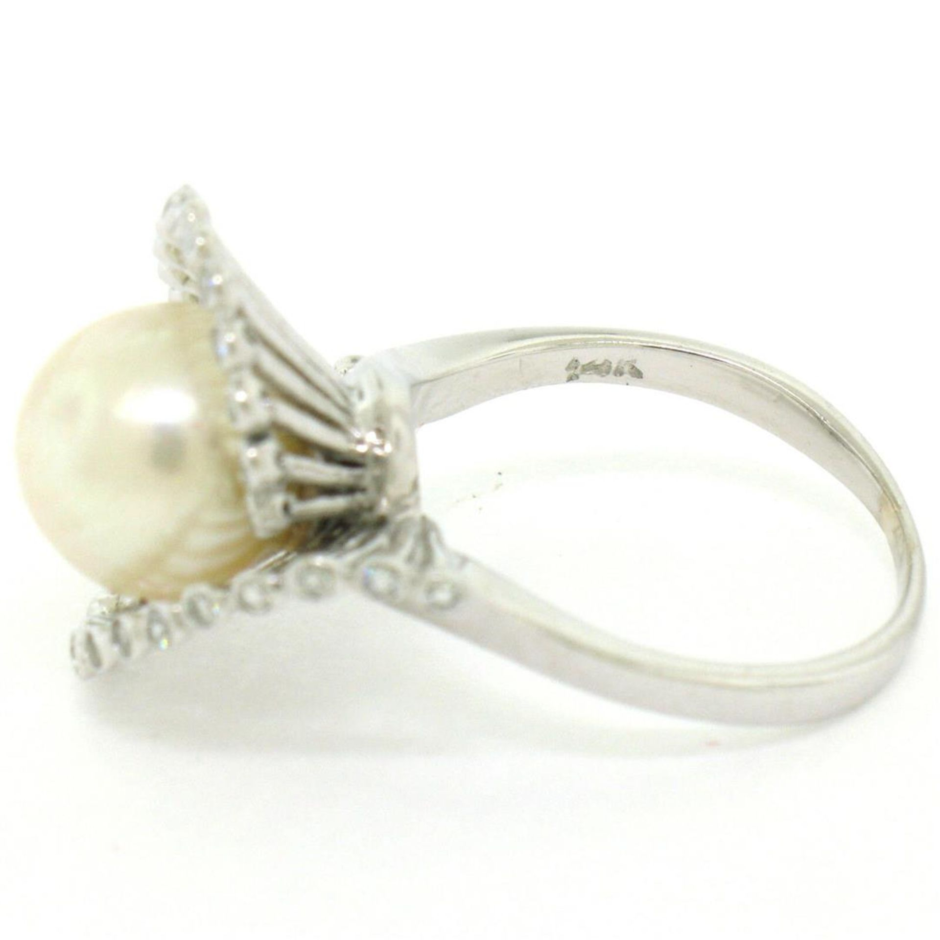 Vintage 14K White Gold 8.5mm Pearl Bezel Diamond 2 Wave Bypass Cocktail Ring - Image 7 of 8