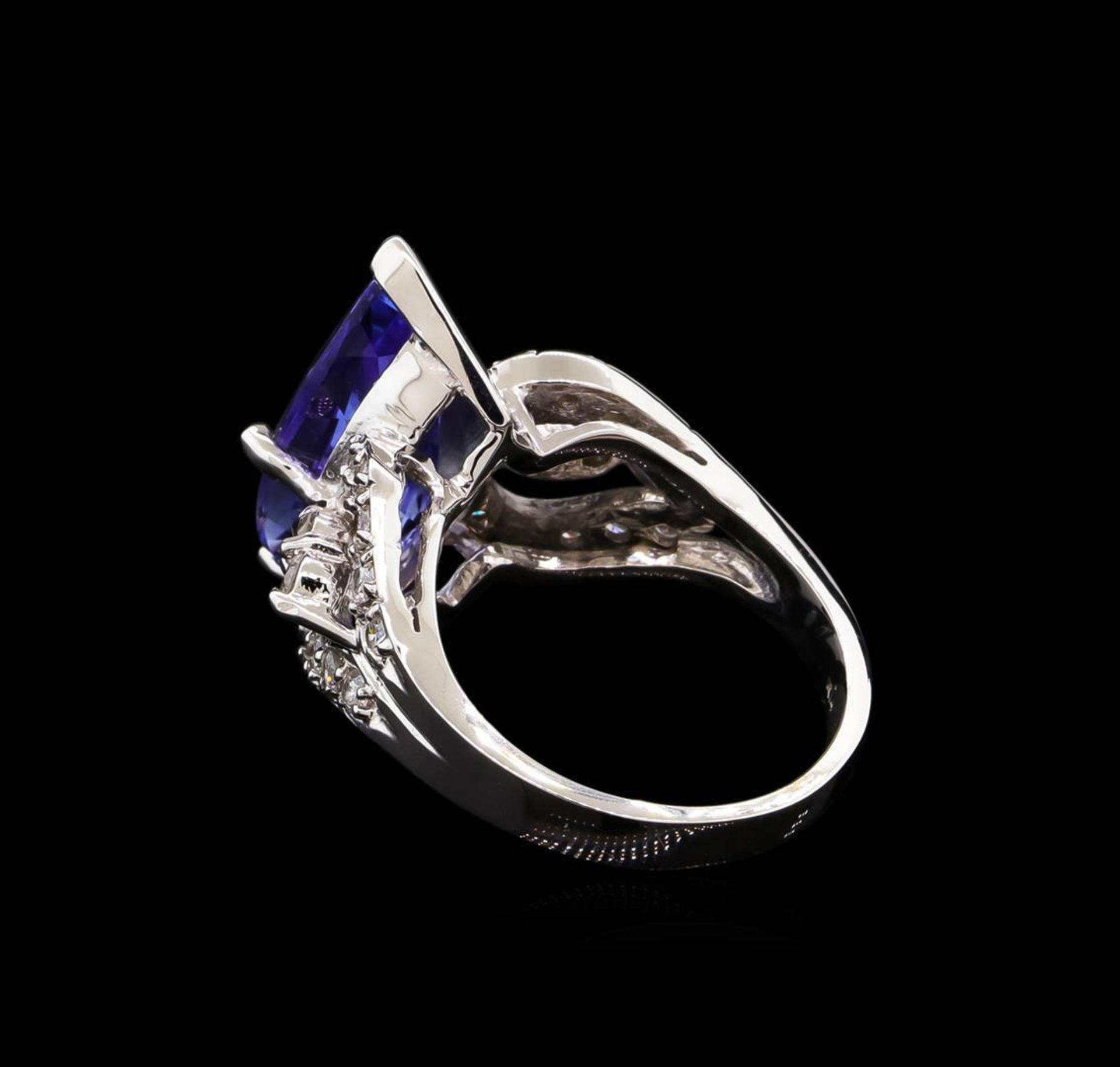 6.70 ctw Tanzanite and Diamond Ring - 14KT White Gold - Image 3 of 5
