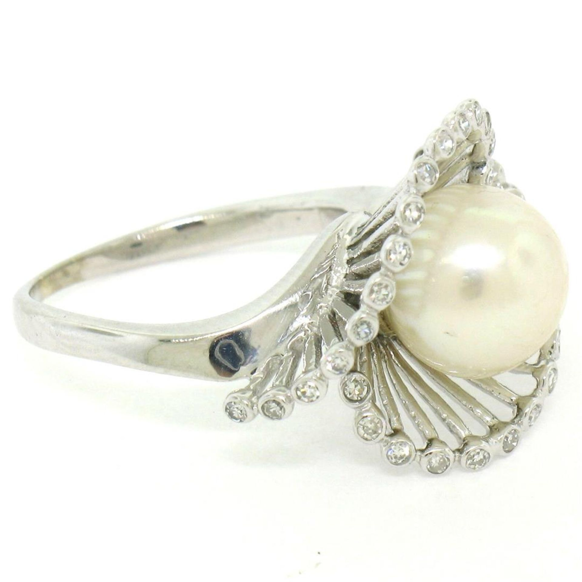 Vintage 14K White Gold 8.5mm Pearl Bezel Diamond 2 Wave Bypass Cocktail Ring - Image 5 of 8