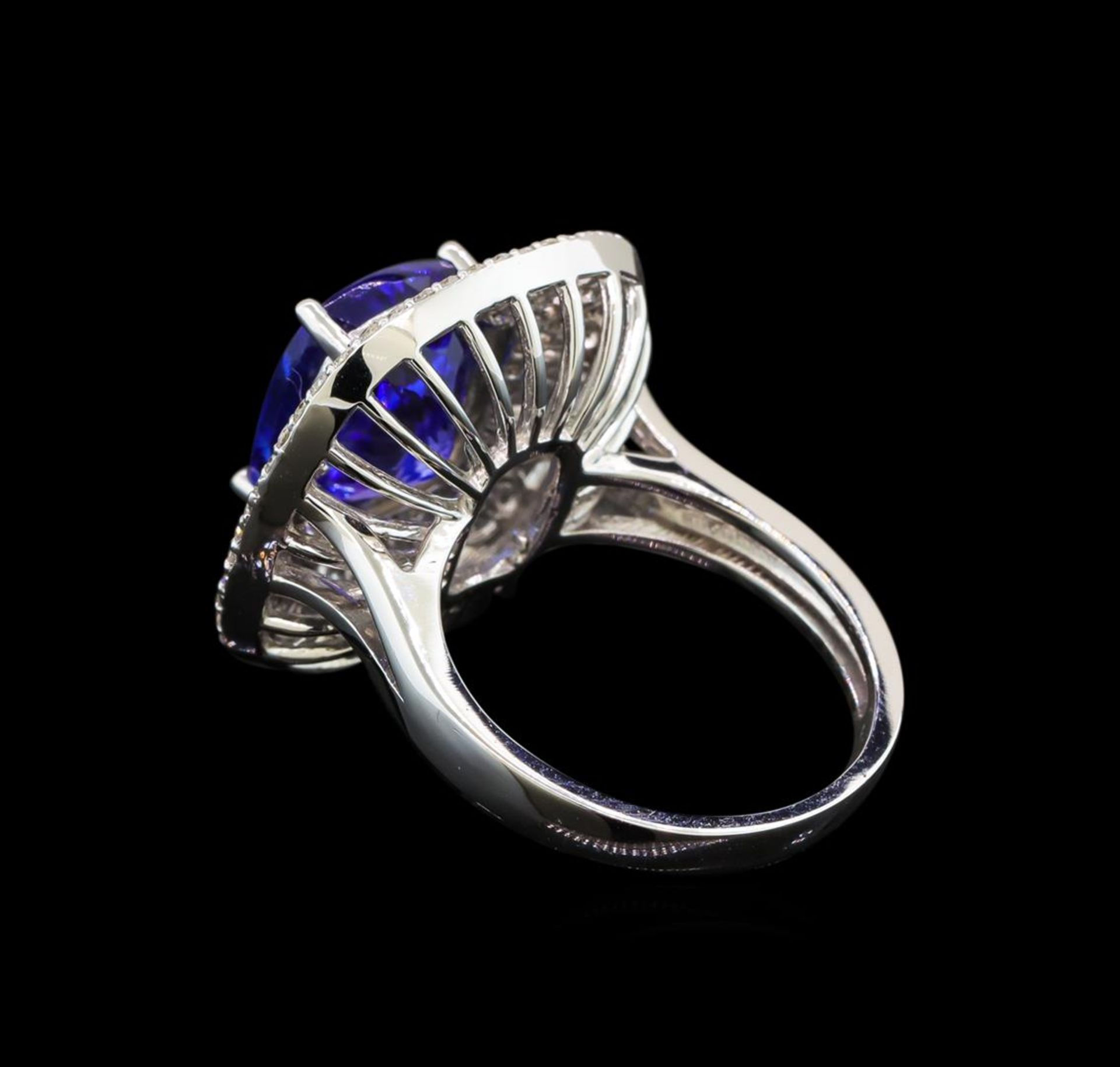 14KT White Gold 5.29 ctw Tanzanite and Diamond Ring - Image 3 of 5