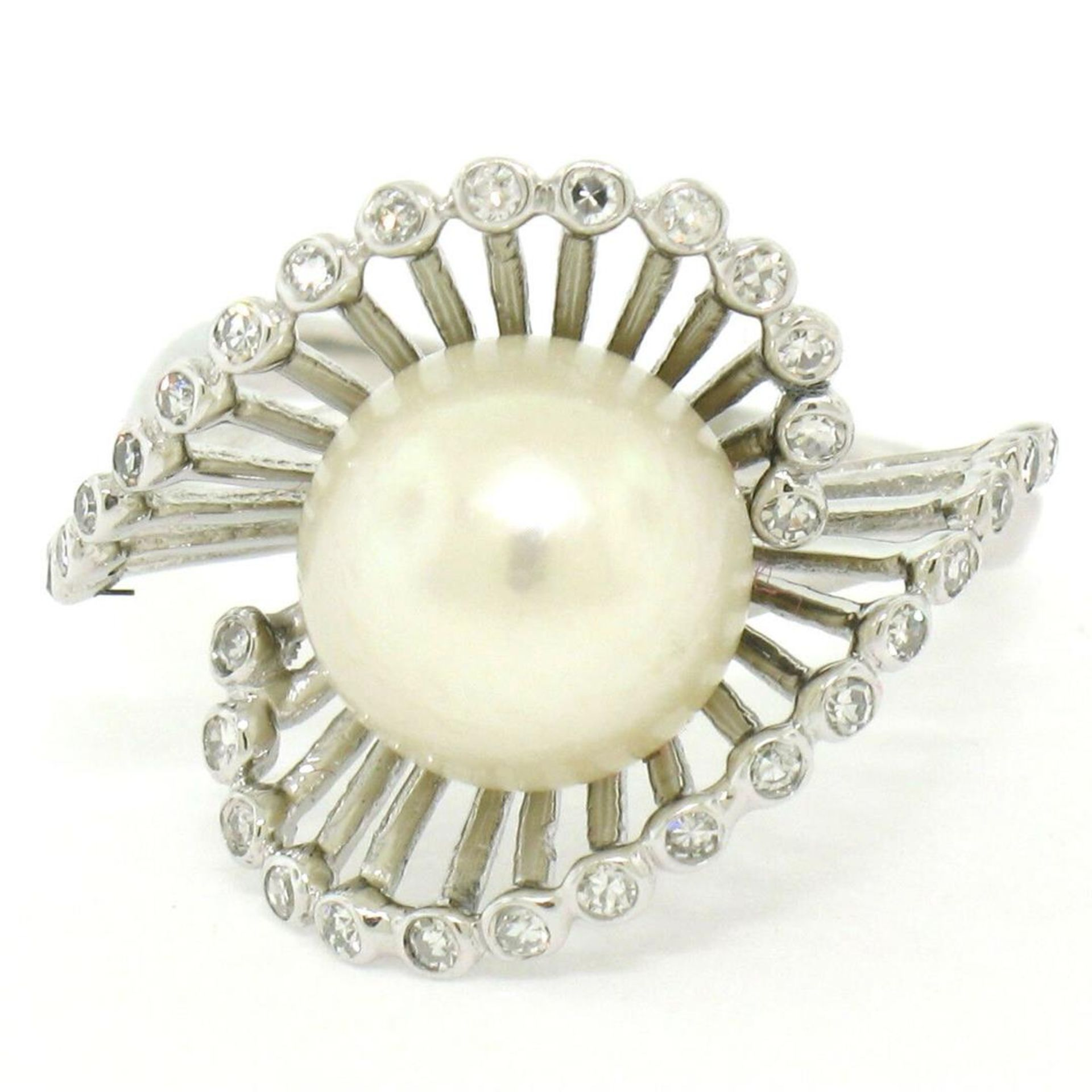 Vintage 14K White Gold 8.5mm Pearl Bezel Diamond 2 Wave Bypass Cocktail Ring - Image 2 of 8