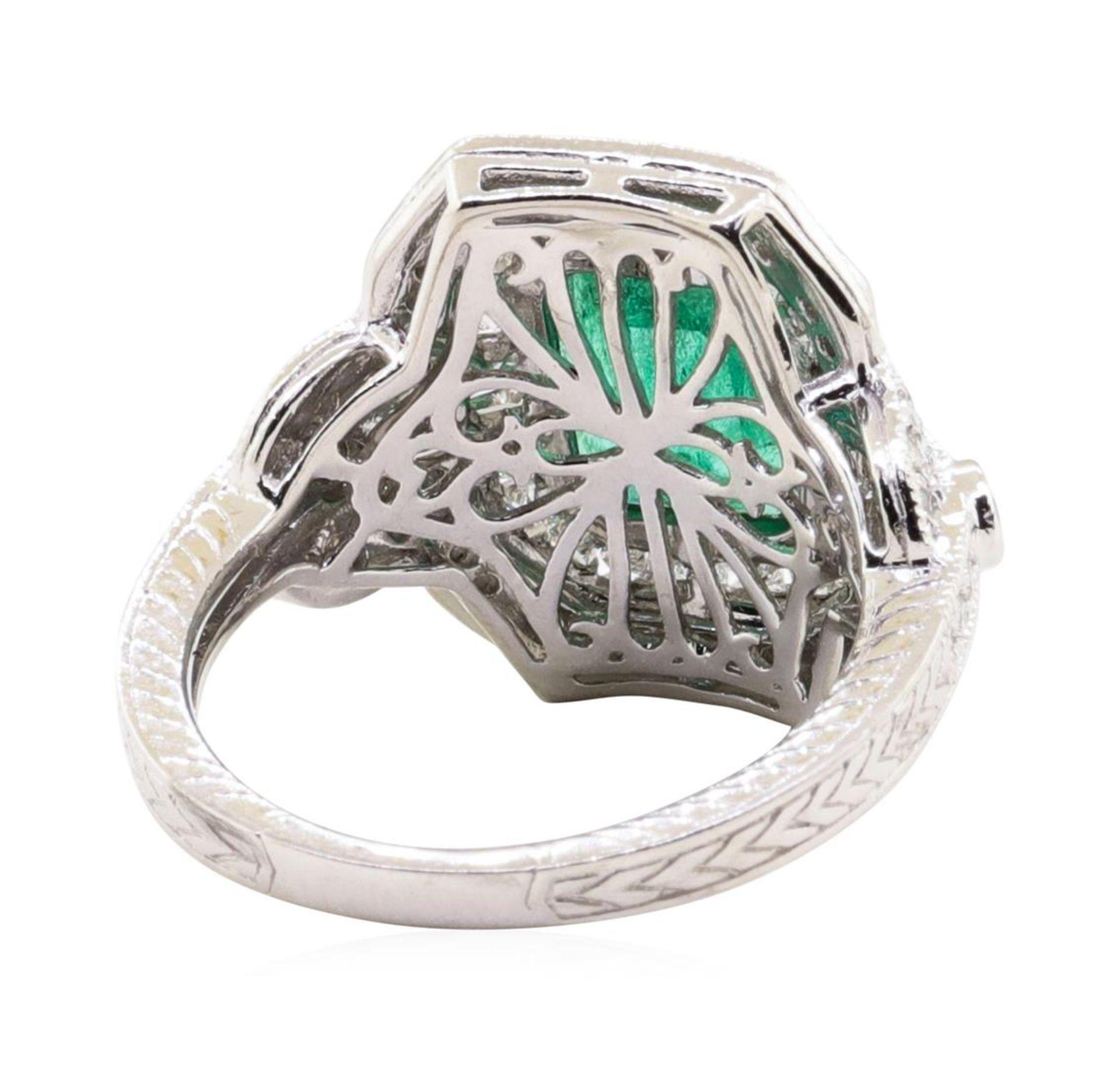 1.94ct Emerald and Diamond Ring - Platinum - Image 4 of 5