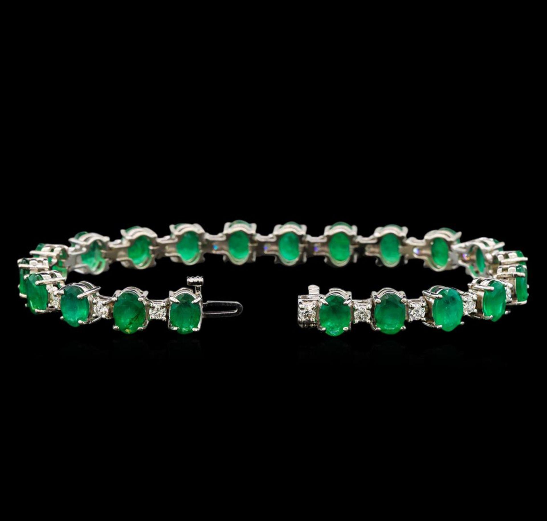 14KT White Gold 15.83 ctw Emerald and Diamond Bracelet - Image 3 of 4