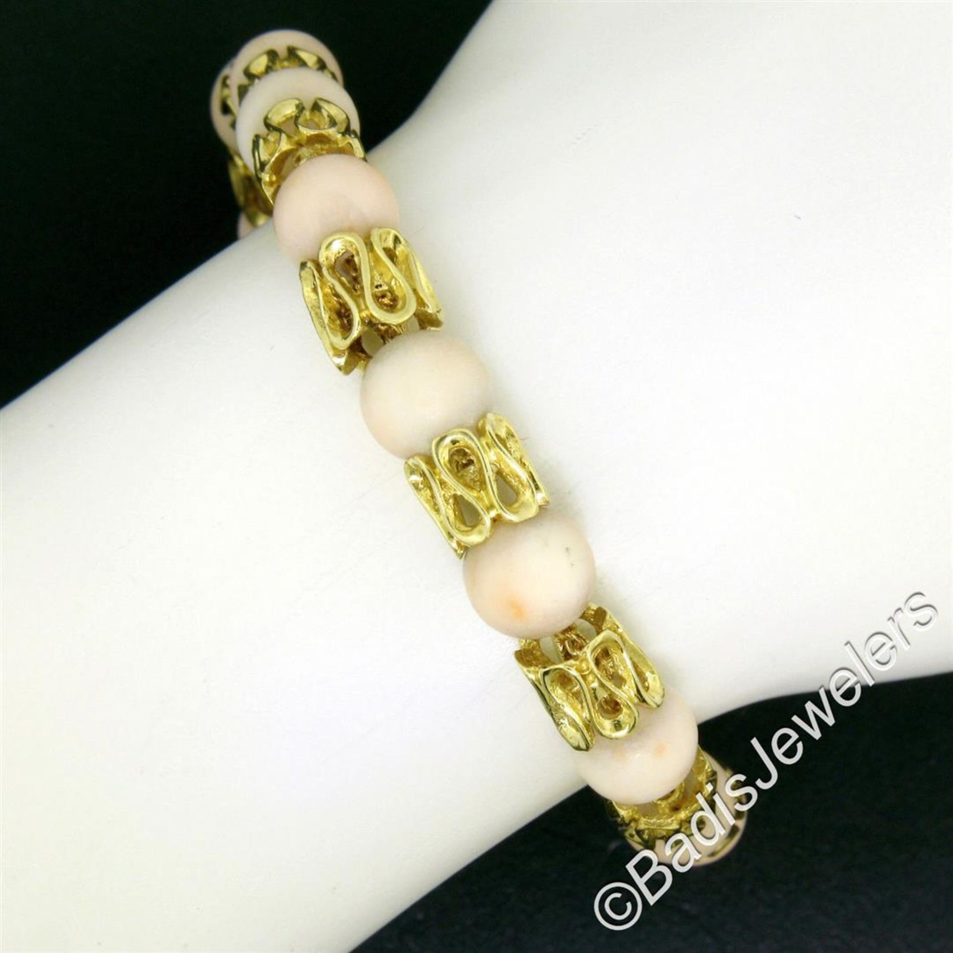 Vintage 18kt Yellow Gold Twisted Link Bracelet w/ Matching Angel Skin Coral Bead - Image 3 of 6