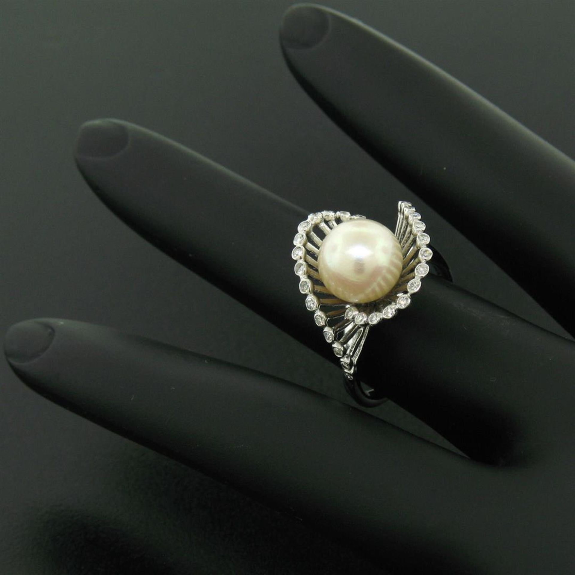 Vintage 14K White Gold 8.5mm Pearl Bezel Diamond 2 Wave Bypass Cocktail Ring - Image 8 of 8