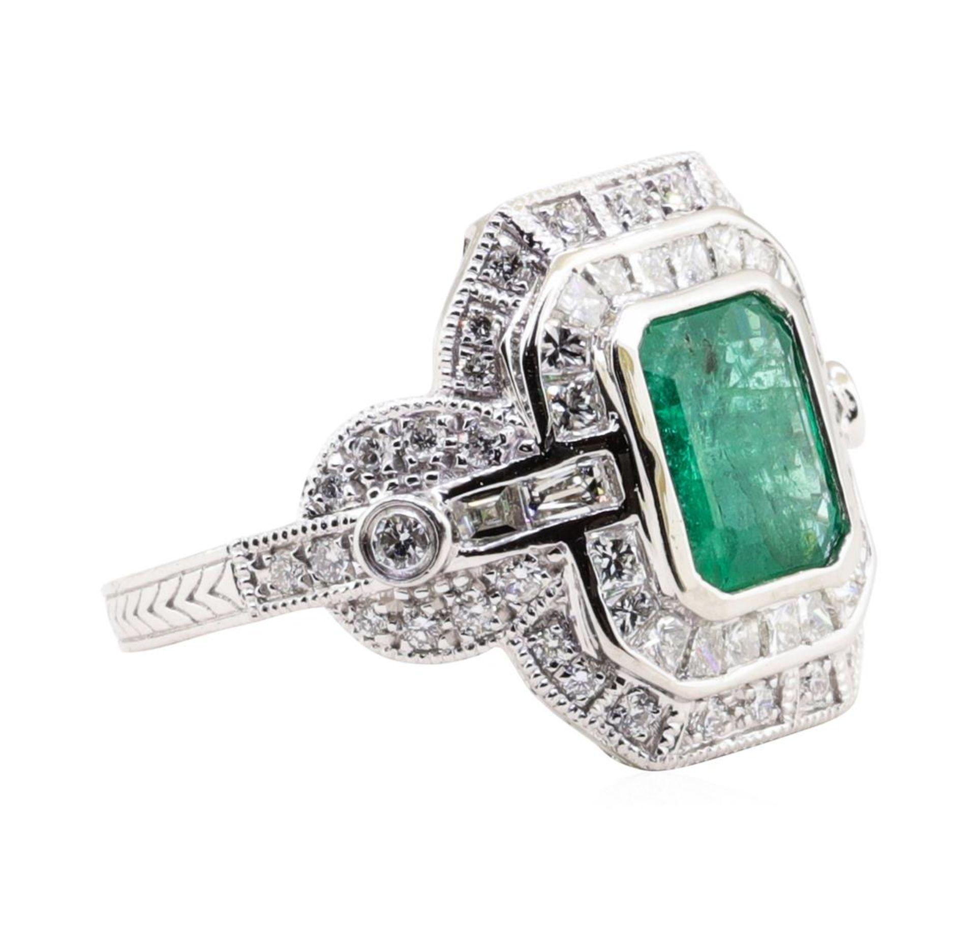 1.94ct Emerald and Diamond Ring - Platinum - Image 2 of 5