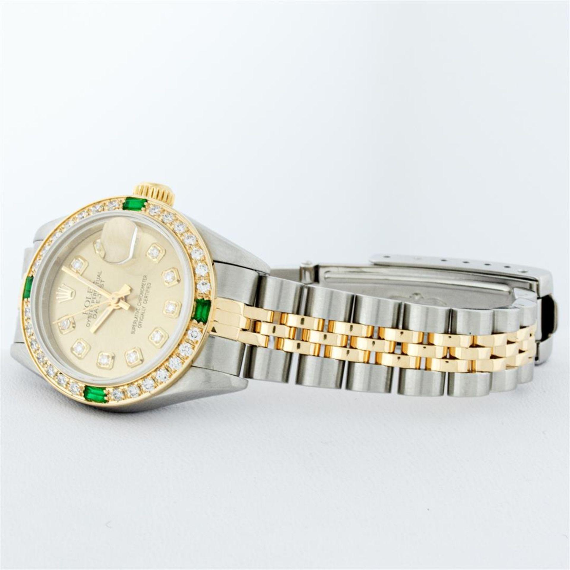 Rolex Ladies 2 Tone 18K Quickset Champagne Diamond & Emerald Datejust Wristwatch - Image 5 of 9