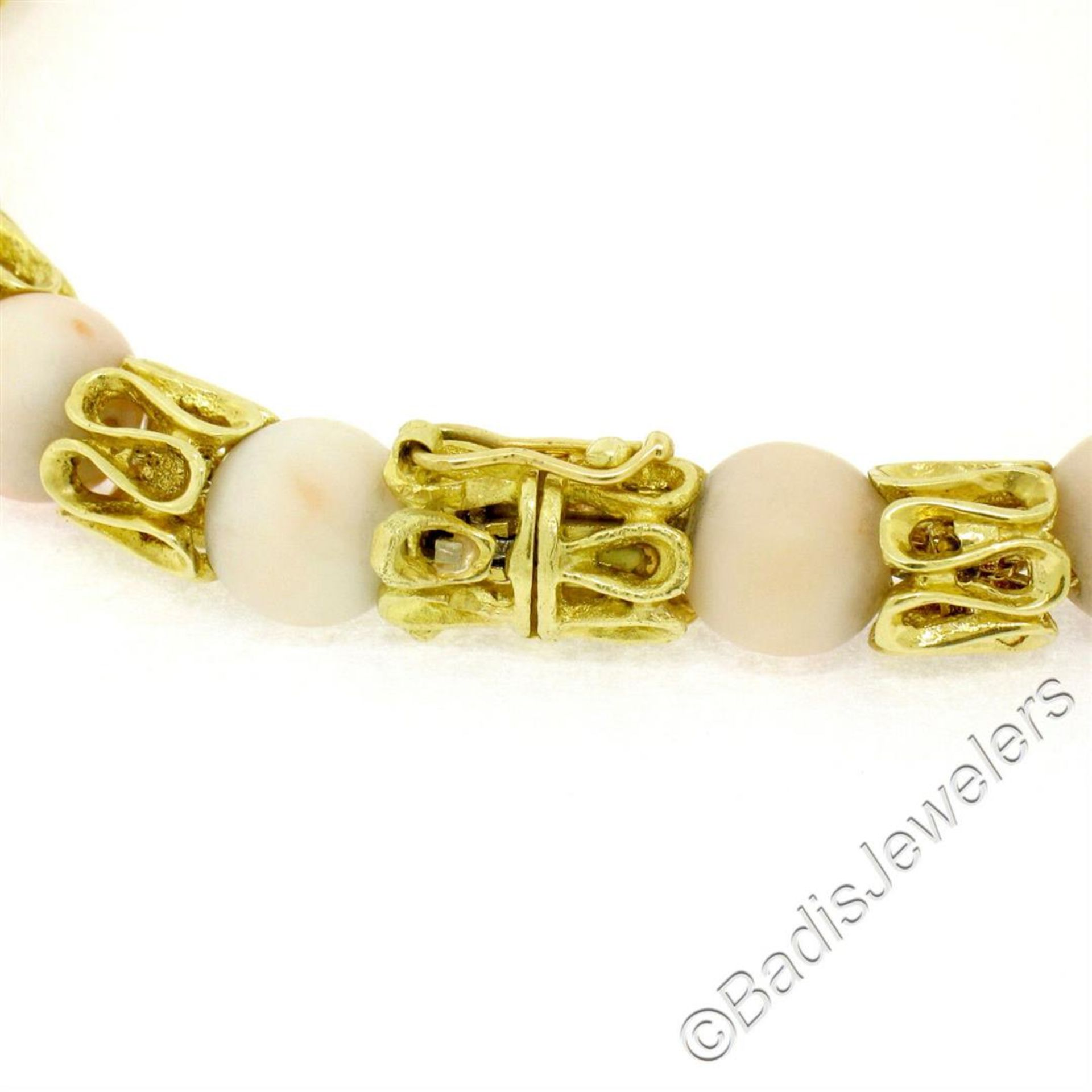 Vintage 18kt Yellow Gold Twisted Link Bracelet w/ Matching Angel Skin Coral Bead - Image 5 of 6
