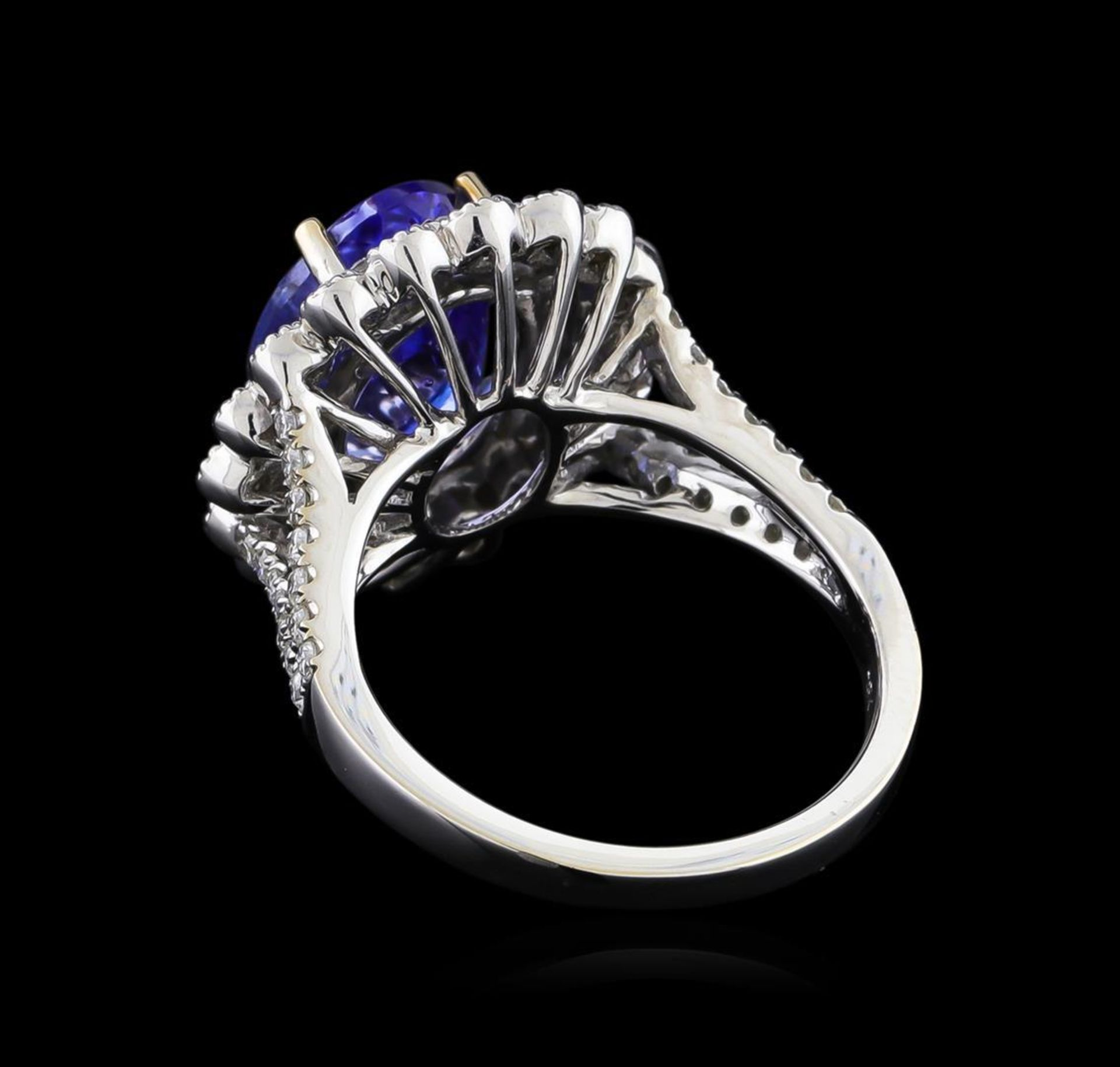 18KT White Gold 3.95 ctw Tanzanite and Diamond Ring - Image 3 of 5