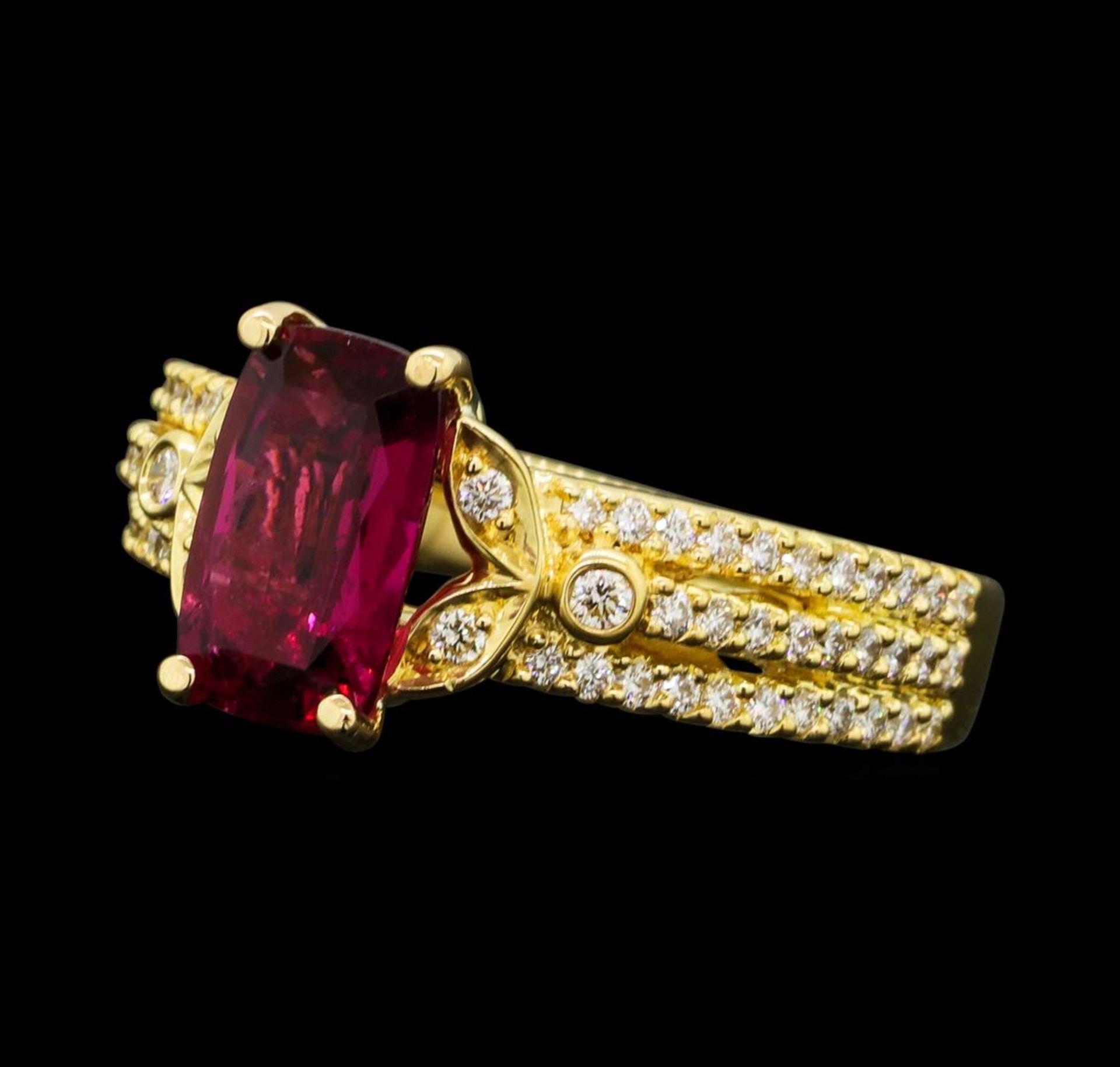 1.50 ct Pink Tourmaling And Diamond Ring - 18KT Yellow Gold