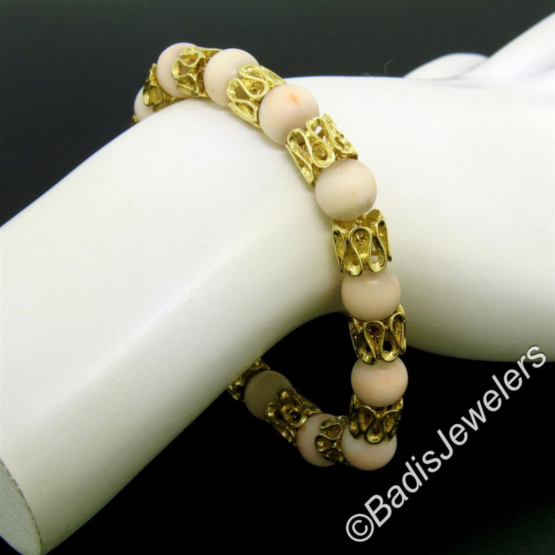 Vintage 18kt Yellow Gold Twisted Link Bracelet w/ Matching Angel Skin Coral Bead - Image 4 of 6