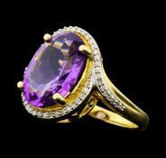 4.90 ct Amethyst And Diamond Ring - 14KT Yellow Gold