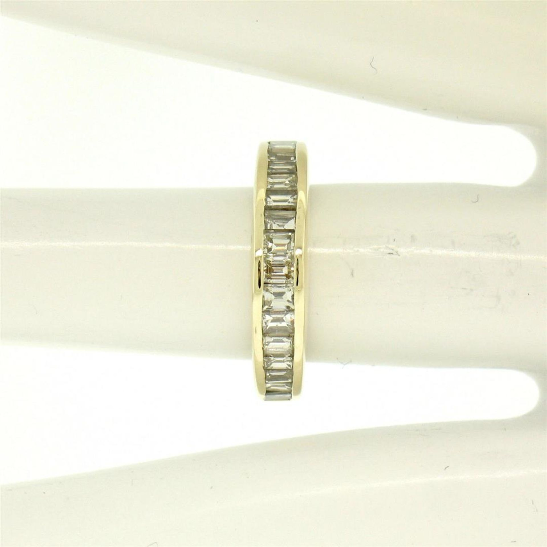 14kt Yellow Gold 1.00 ctw Baguette Diamond Channel Domed Wedding Band Ring - Image 9 of 9