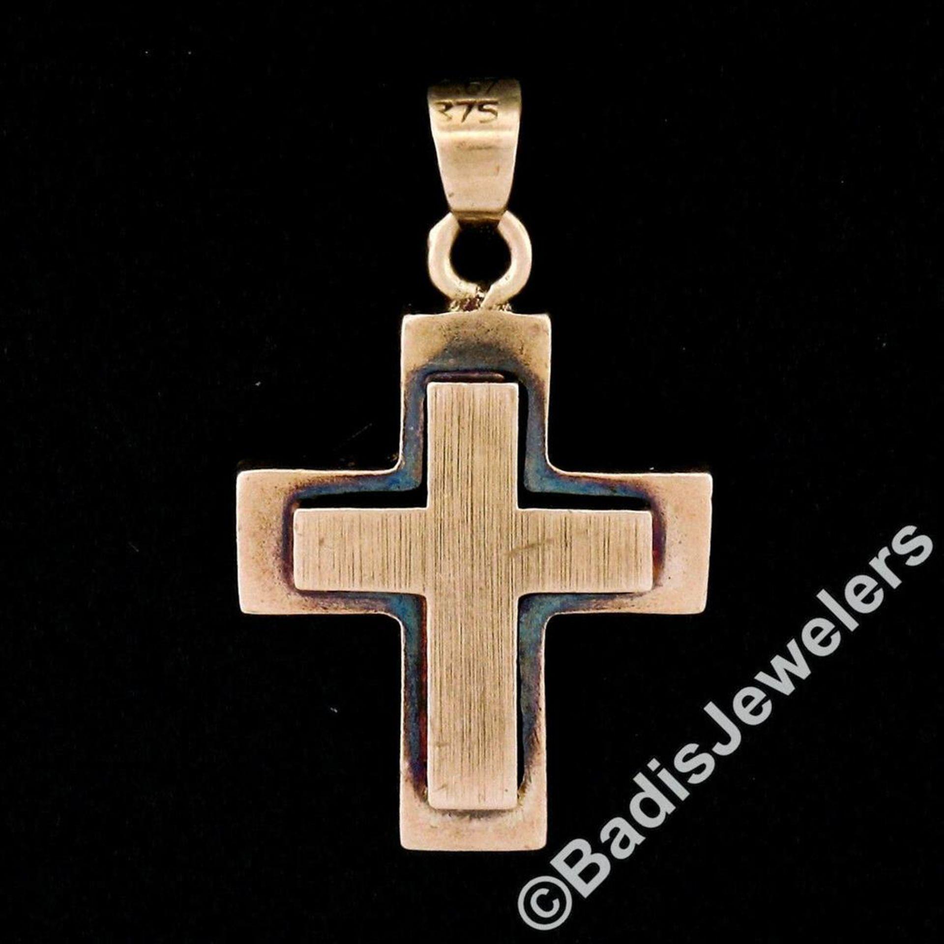 Victorian 8kt Rose Gold Reversible Brushed Finish Cross Pendant - Image 2 of 5
