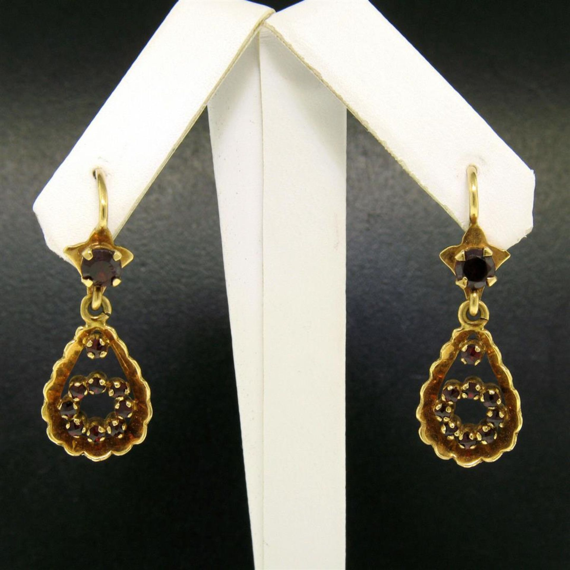 Vintage 18K Yellow Gold 1.0 ctw Pear Shape Garnet Dangle Drop Lever Back Earring - Image 3 of 8