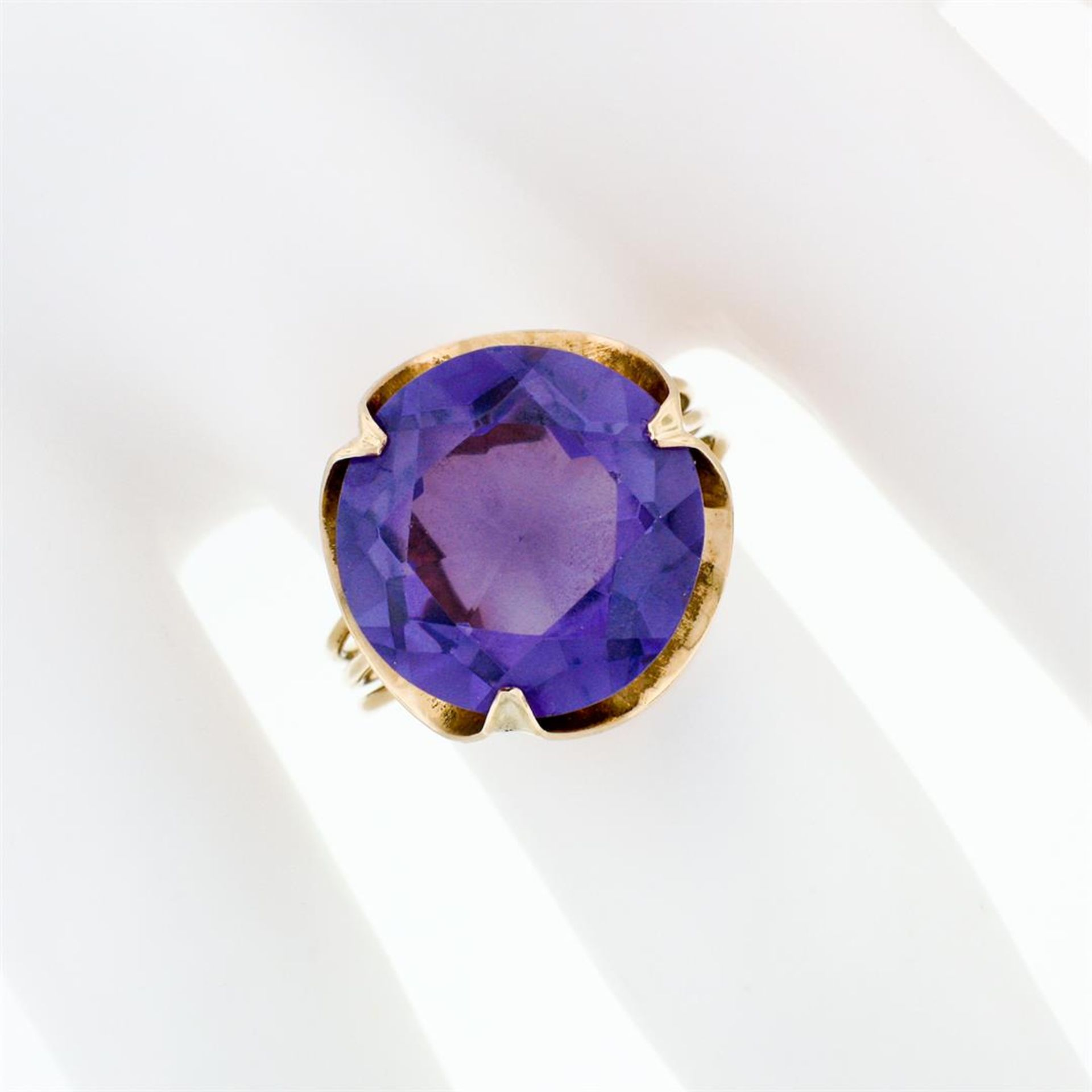 Retro Vintage Handmade 14k Rose Gold 13.7mm Synthetic Alexandrite Solitaire Ring - Image 3 of 8