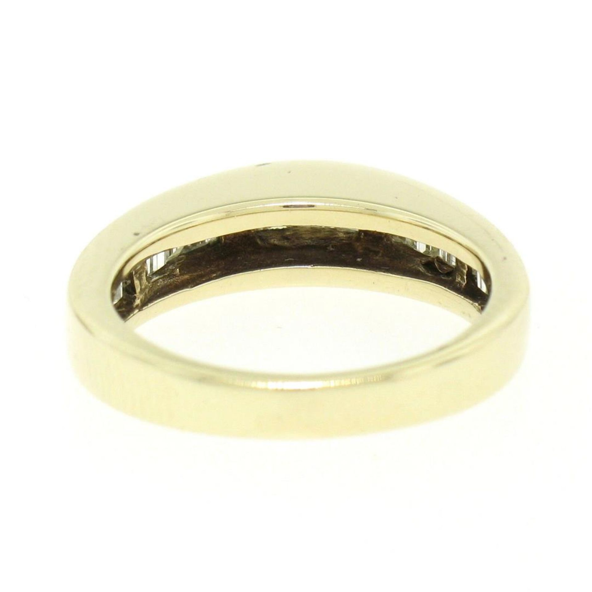 14kt Yellow Gold 1.00 ctw Baguette Diamond Channel Domed Wedding Band Ring - Image 6 of 9