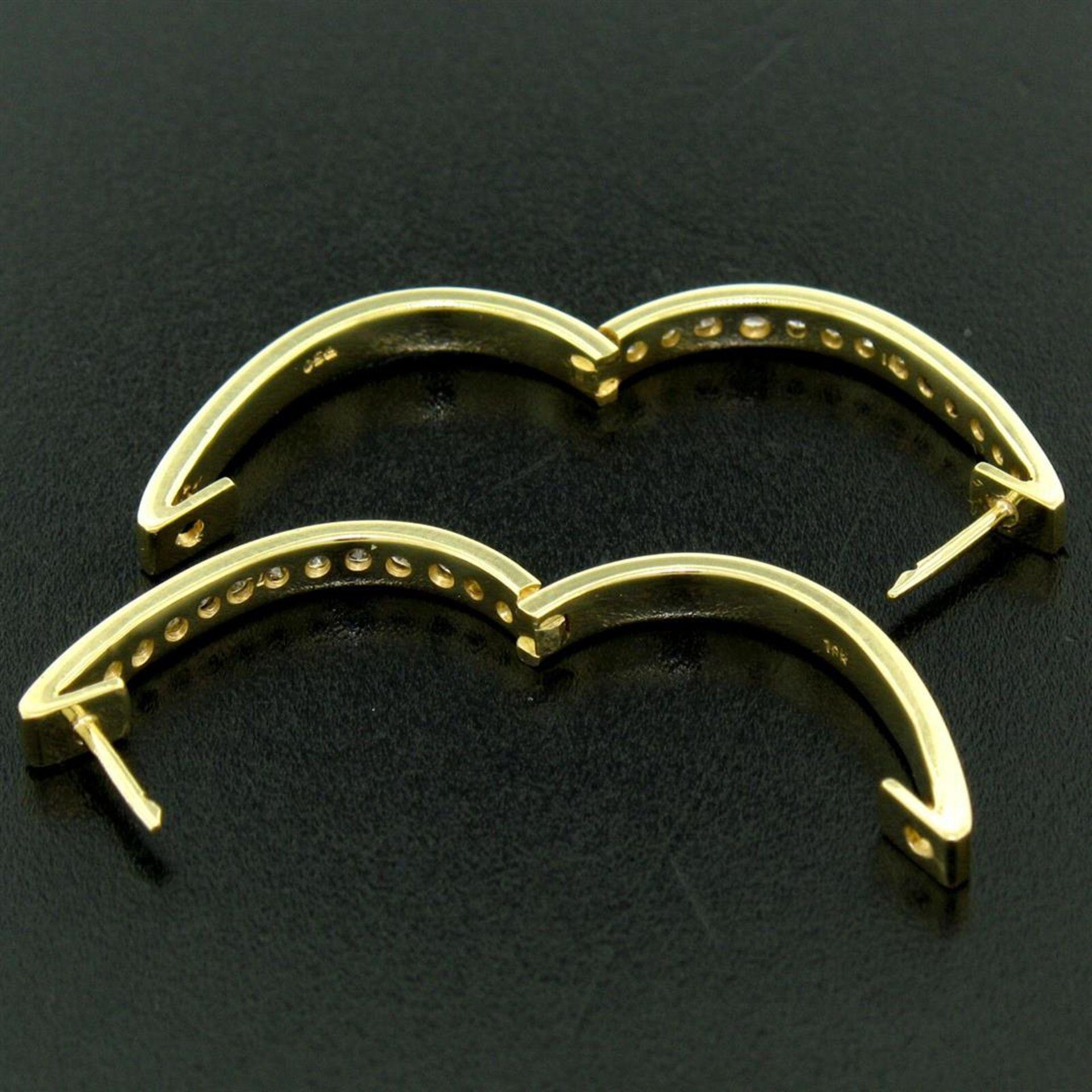 18kt Yellow Gold 0.75ctw Diamond Oval Hoop Earrings - Image 6 of 7