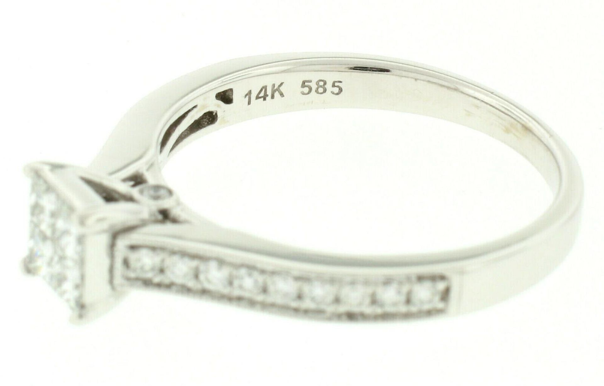 14k White Gold 0.79ctw Illusion Solitaire Princess Cut Diamond Engagement Ring - Image 8 of 8