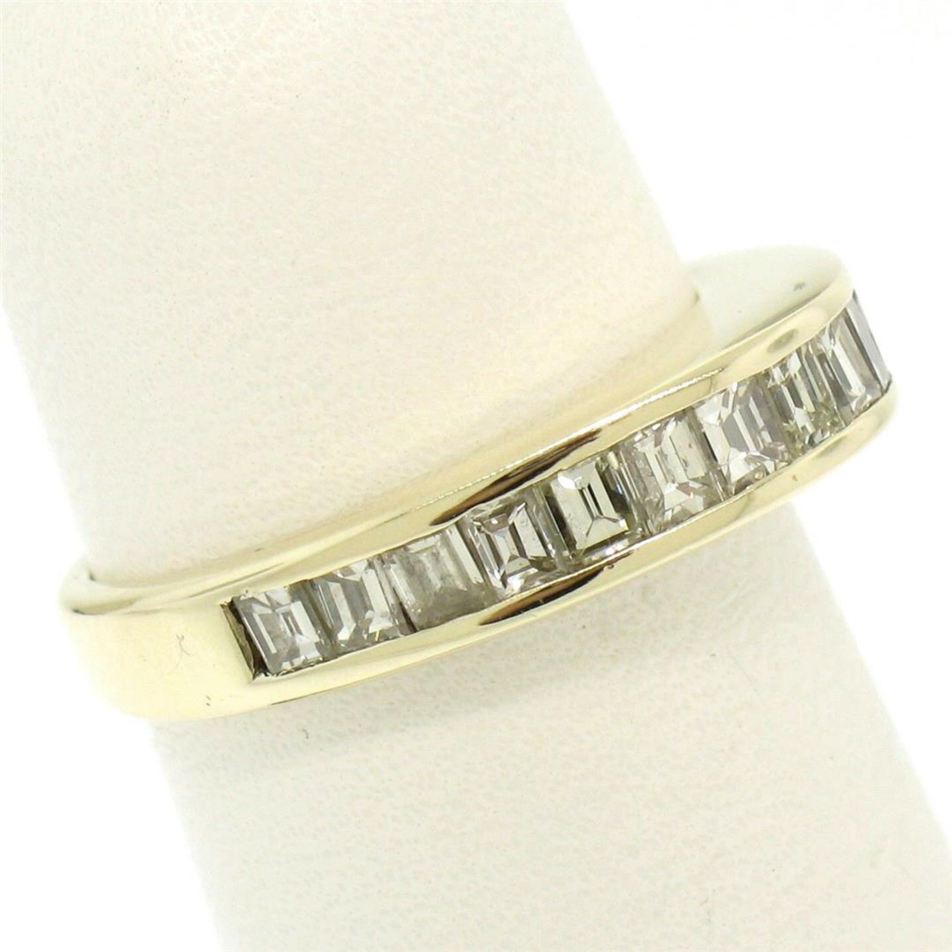14kt Yellow Gold 1.00 ctw Baguette Diamond Channel Domed Wedding Band Ring - Image 5 of 9