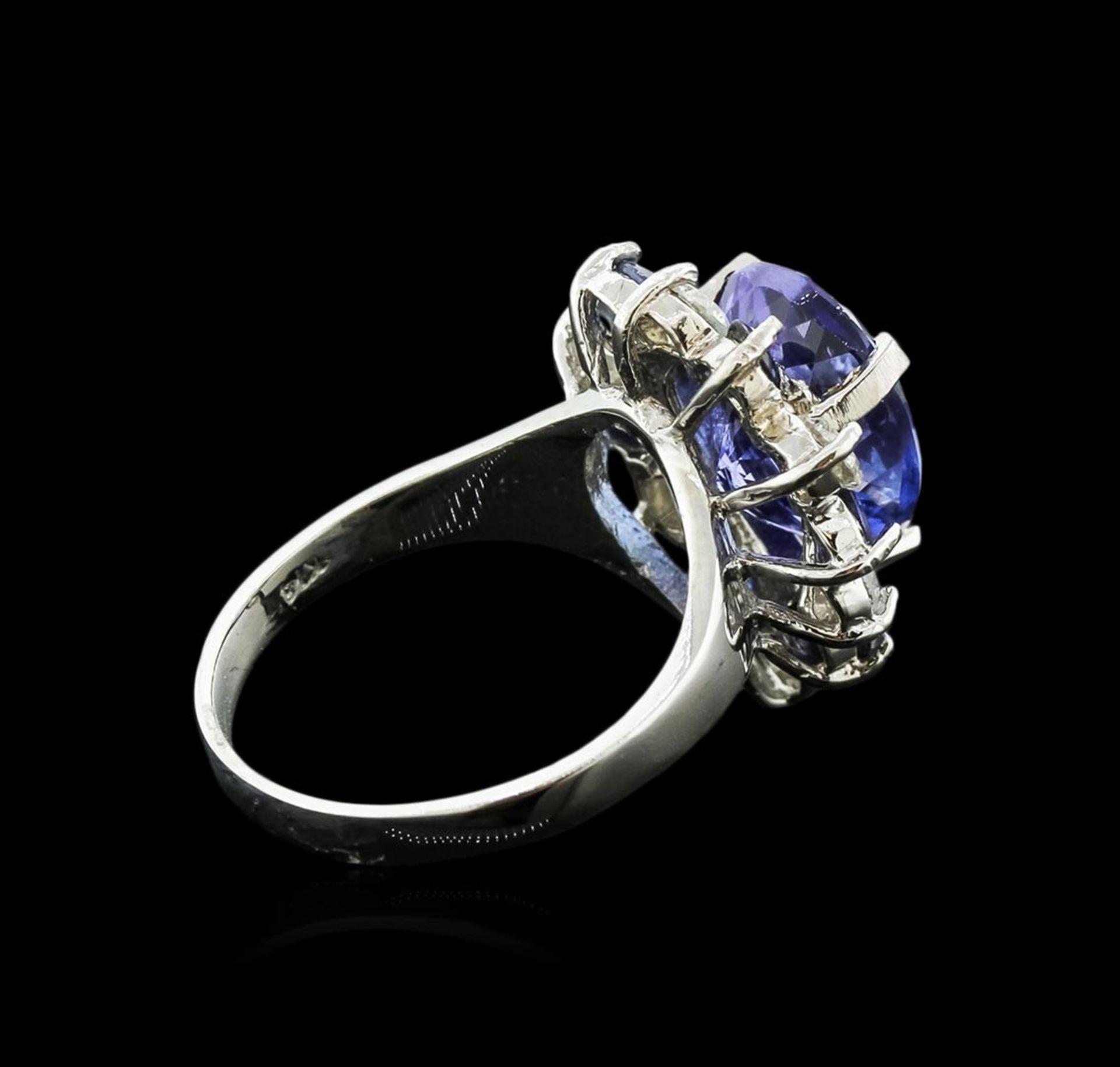 14KT White Gold 4.80 ctw Tanzanite, Sapphire and Diamond Ring - Image 3 of 4