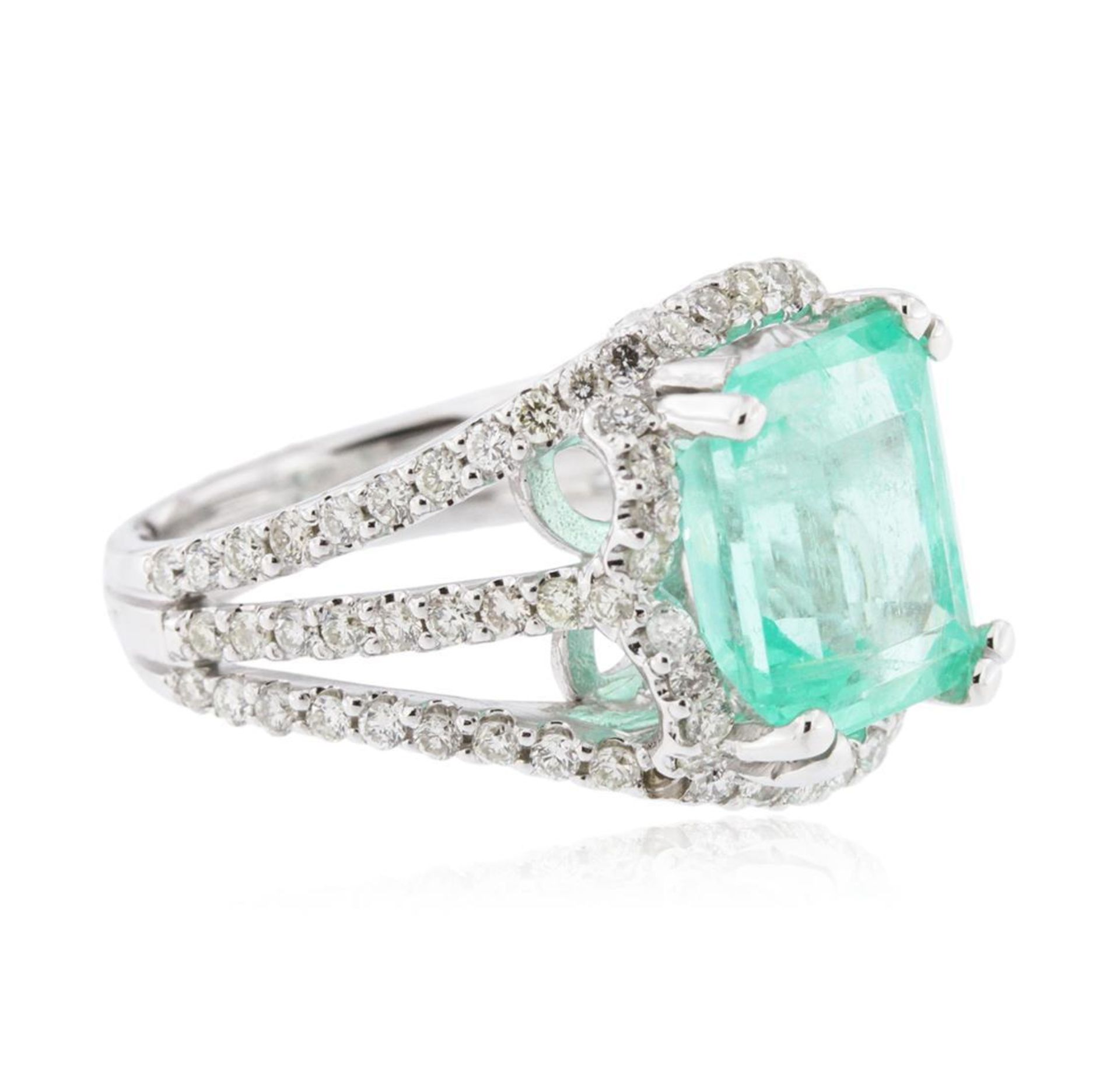 14KT White Gold 5.58ct Emerald and Diamond Ring - Image 2 of 4