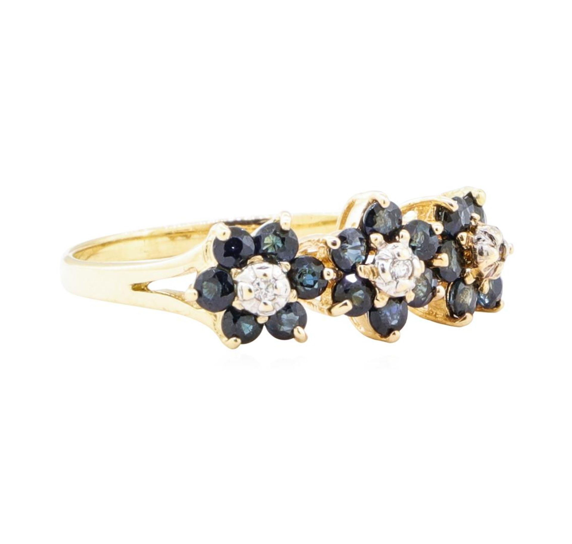 1.05ctw Sapphire and Diamond Ring - 14KT Yellow Gold
