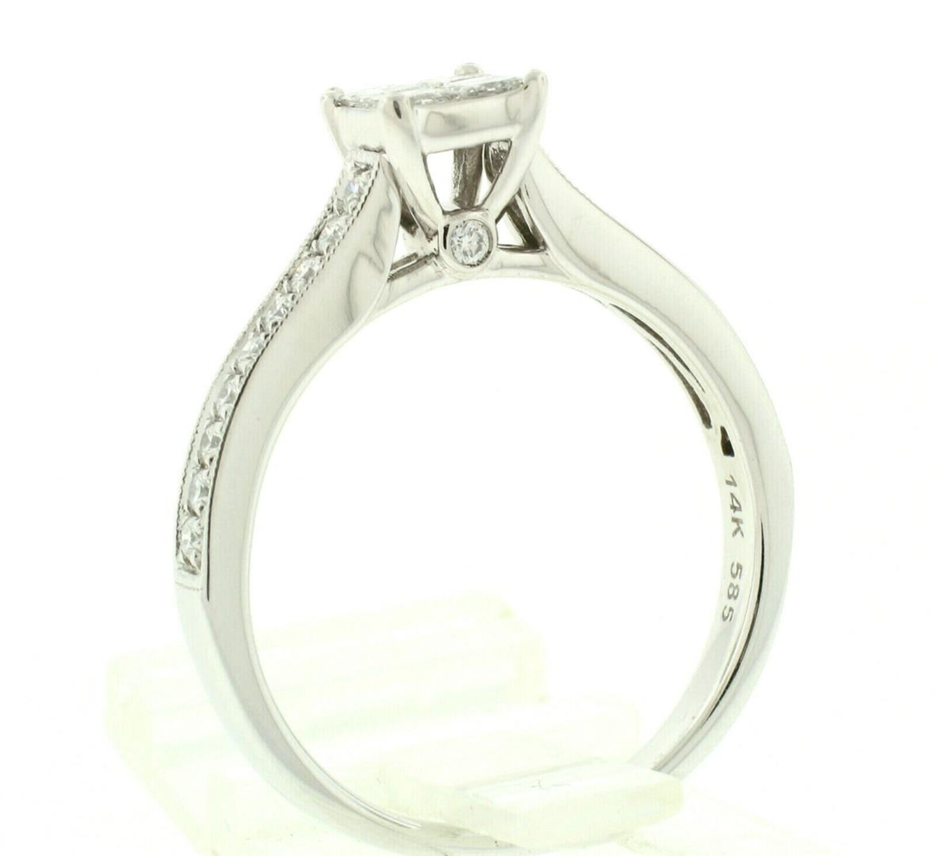 14k White Gold 0.79ctw Illusion Solitaire Princess Cut Diamond Engagement Ring - Image 3 of 8