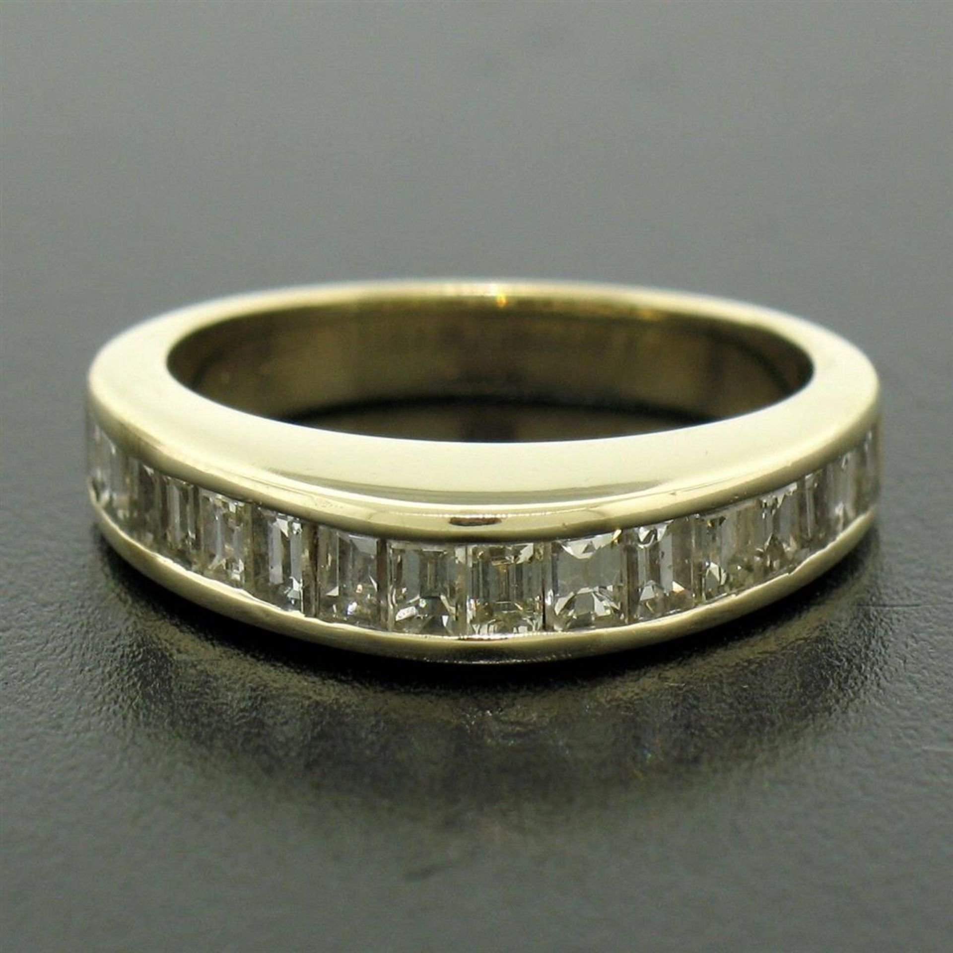 14kt Yellow Gold 1.00 ctw Baguette Diamond Channel Domed Wedding Band Ring - Image 2 of 9