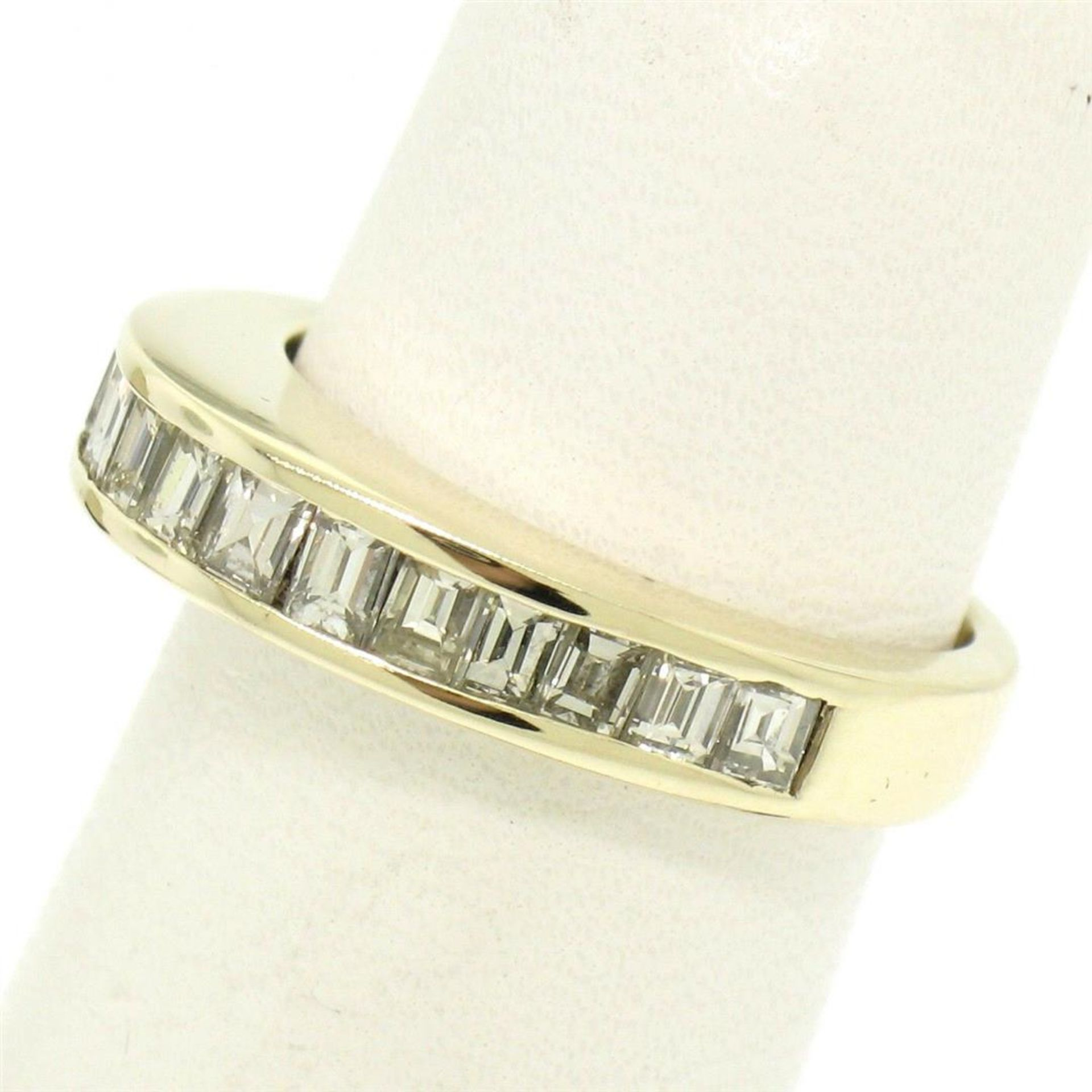 14kt Yellow Gold 1.00 ctw Baguette Diamond Channel Domed Wedding Band Ring - Image 4 of 9