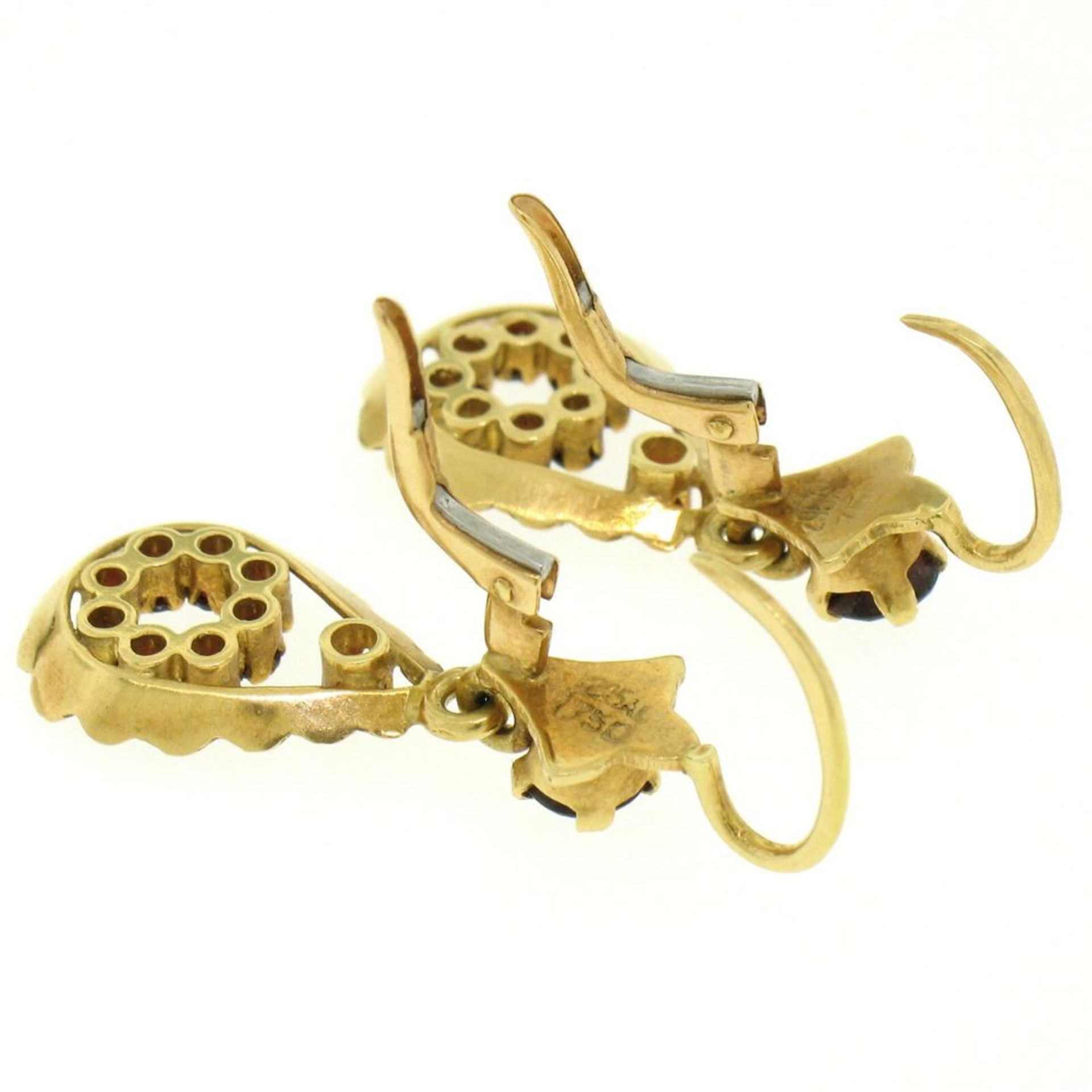 Vintage 18K Yellow Gold 1.0 ctw Pear Shape Garnet Dangle Drop Lever Back Earring - Image 6 of 8