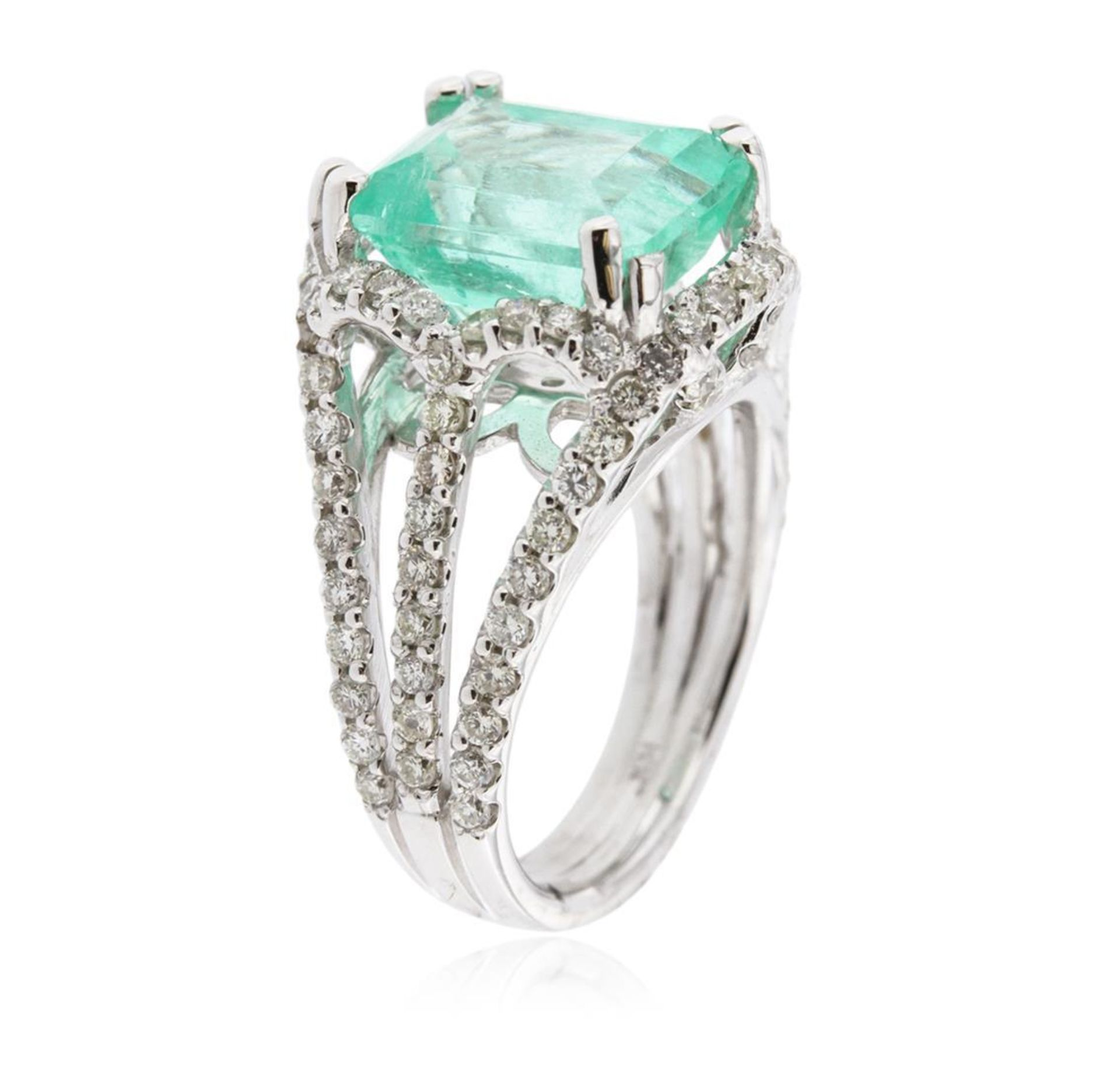 14KT White Gold 5.58ct Emerald and Diamond Ring - Image 3 of 4