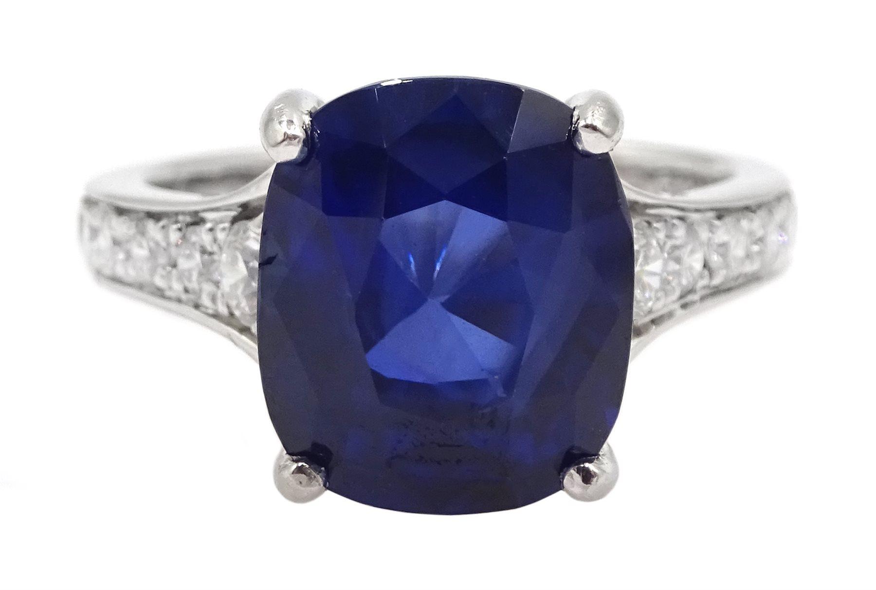 Platinum cushion cut Ceylon sapphire ring