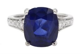 Platinum cushion cut Ceylon sapphire ring