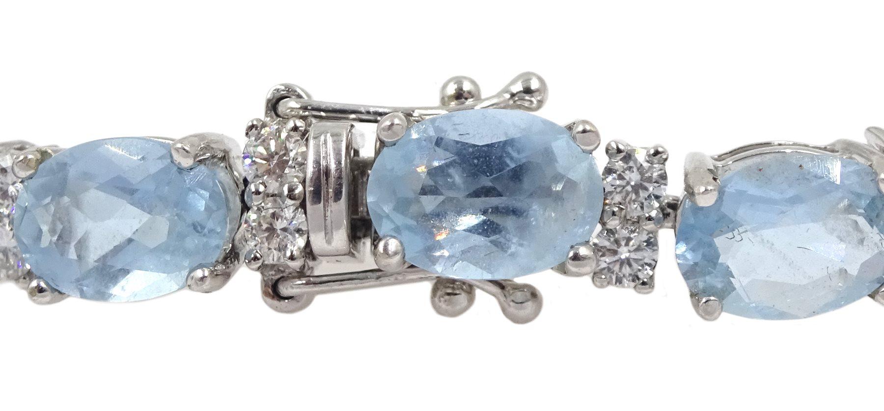 18ct white gold oval aquamarine and diamond bracelet - Image 5 of 5