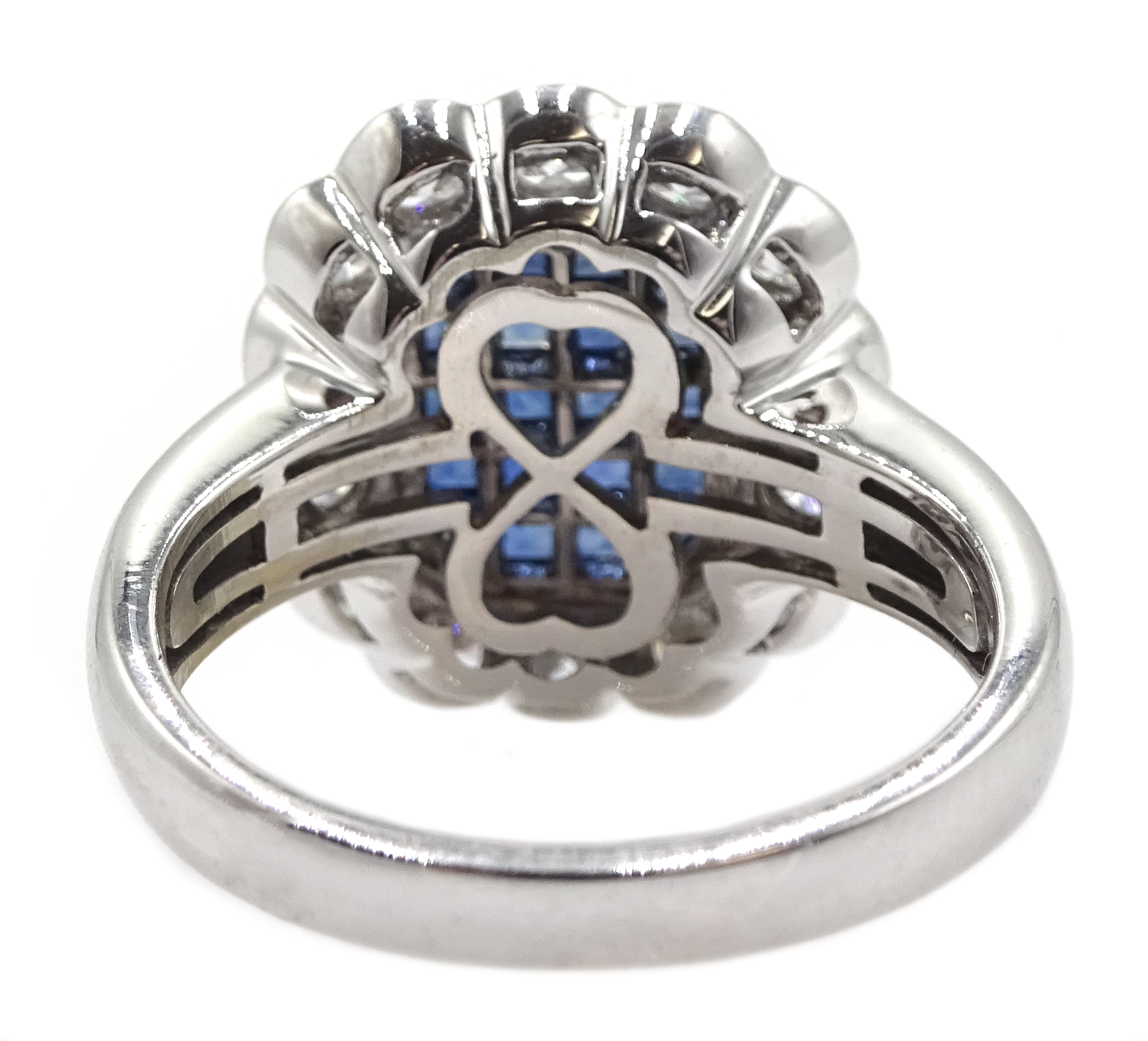 18ct white gold, sapphire and diamond cluster ring - Image 5 of 5