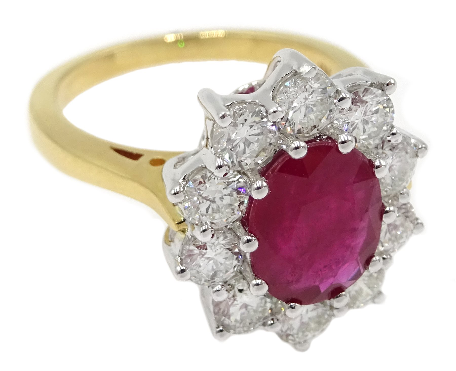 18ct gold oval ruby and round brilliant cut diamond cluster ring - Image 3 of 5