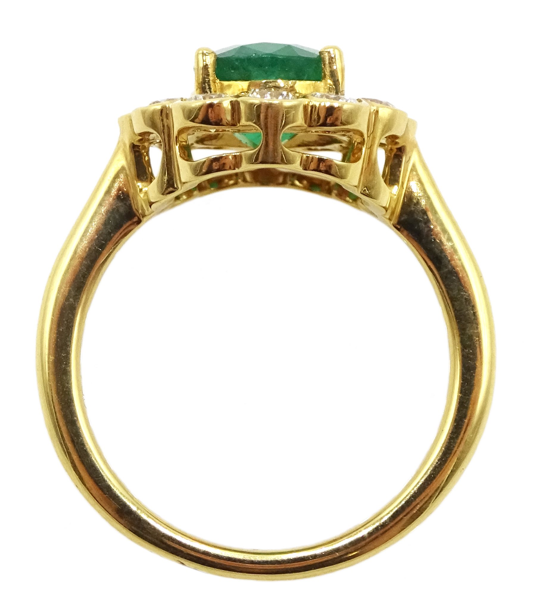 18ct gold oval emerald and diamond cluster ring - Image 5 of 5