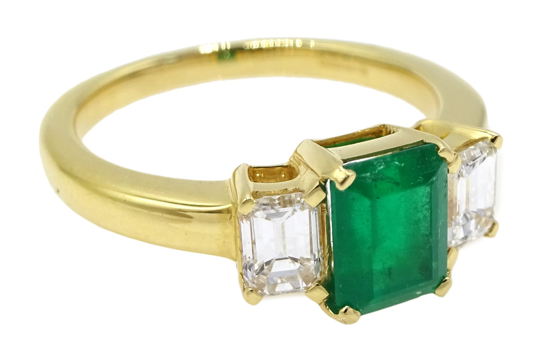 18ct gold emerald and baguette cut diamond ring - Image 3 of 4