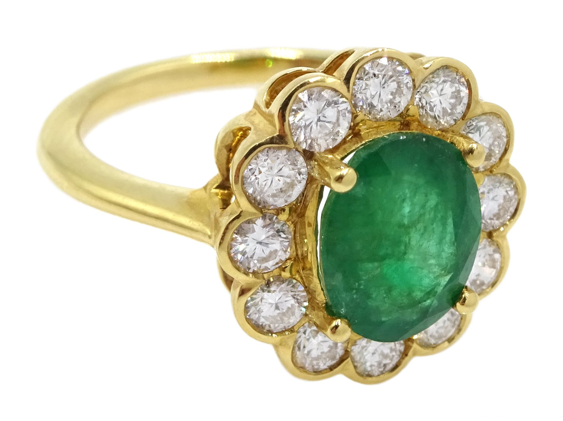 18ct gold oval emerald and diamond cluster ring - Image 3 of 5