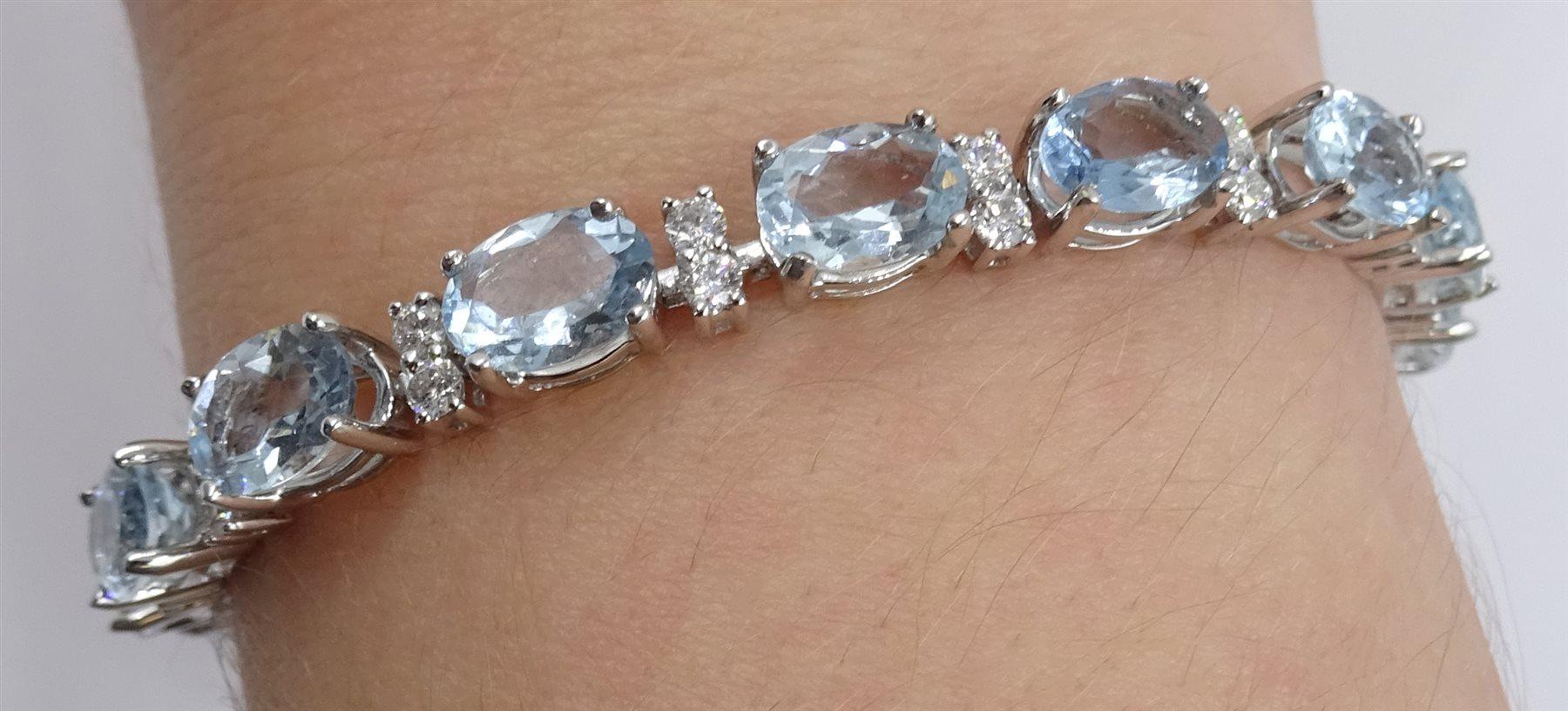 18ct white gold oval aquamarine and diamond bracelet - Image 2 of 5