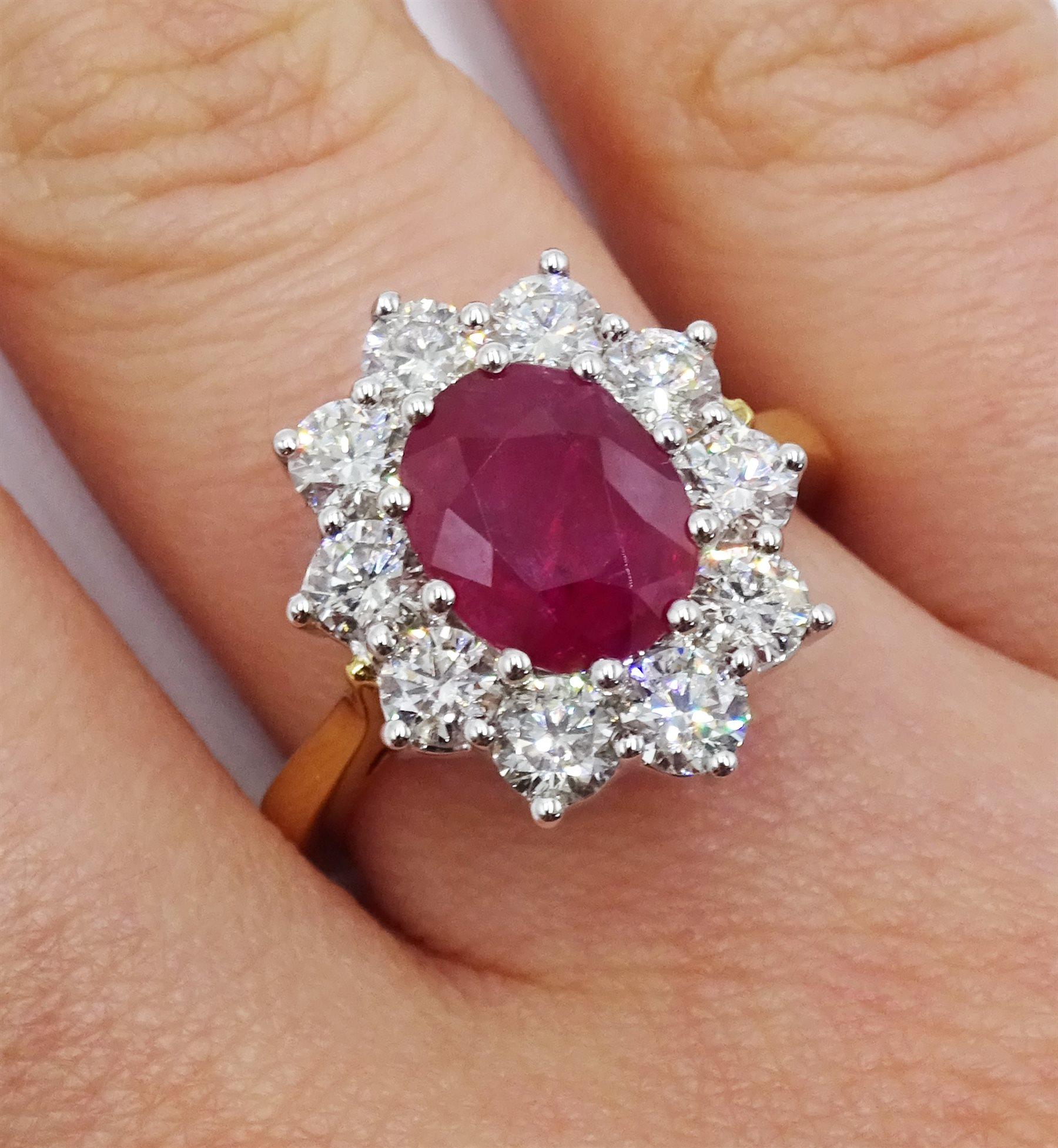 18ct gold oval ruby and round brilliant cut diamond cluster ring - Image 2 of 5