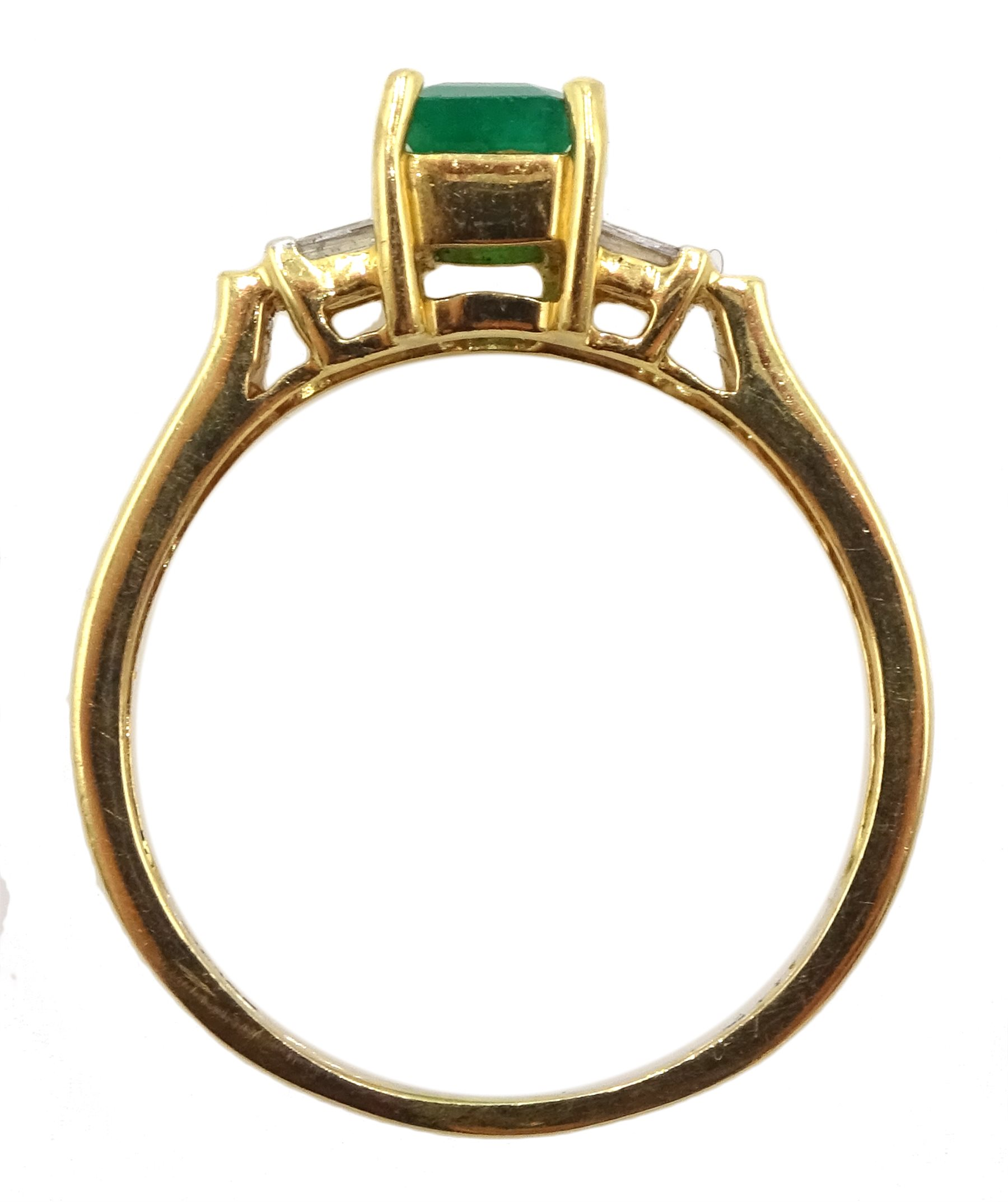 18ct gold emerald ring - Image 4 of 4